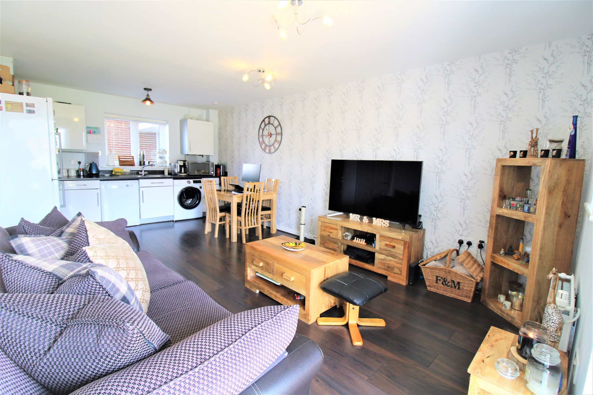 2 Bedroom Apartment Flat/apartment For Sale - Living/kitchen