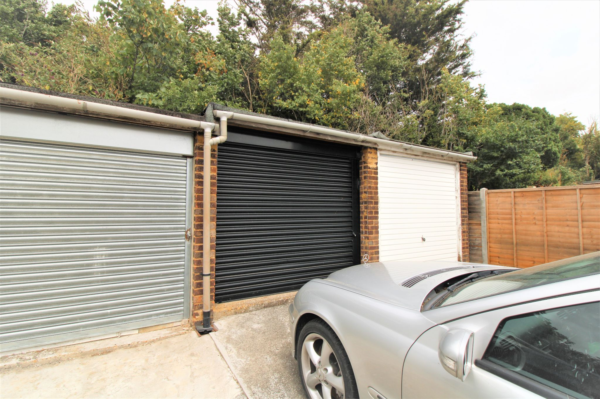 2 Bedroom Mid Terraced House For Sale - Garage