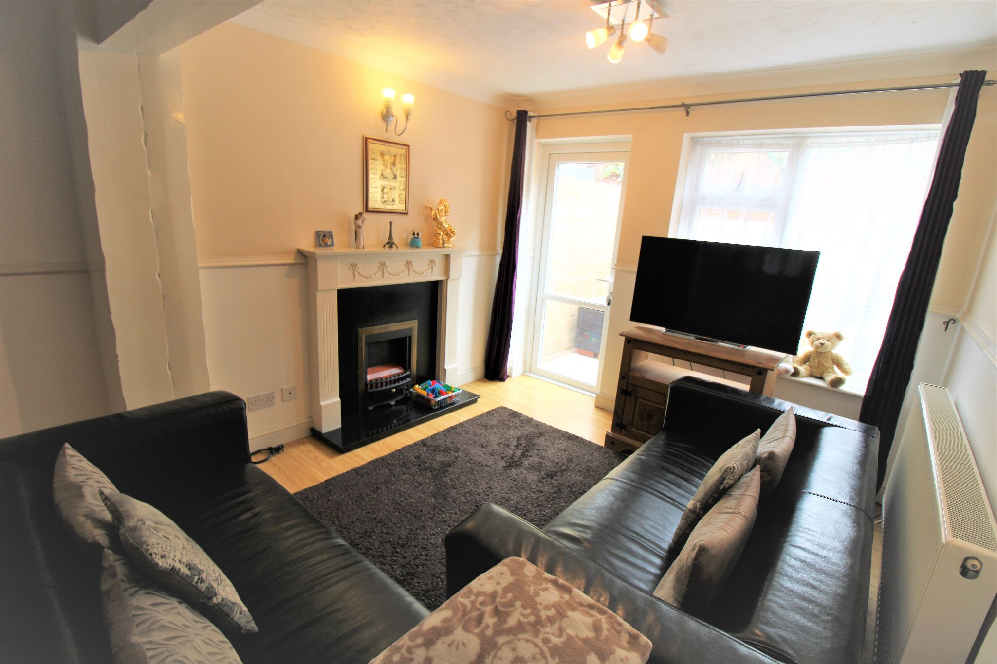 2 Bedroom Mid Terraced House For Sale - Living Area