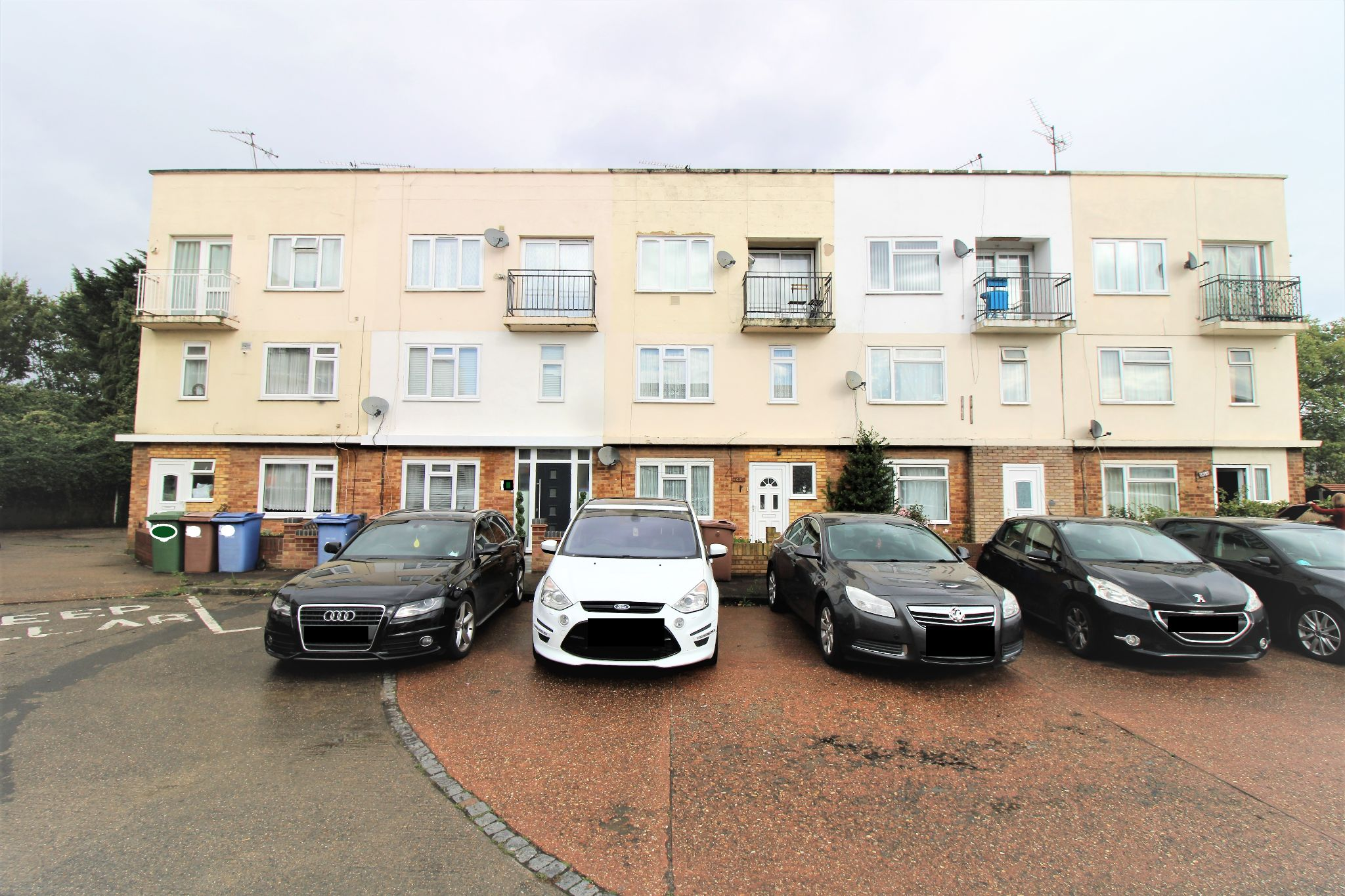 Apartment Flat/apartment For Sale - Front 2
