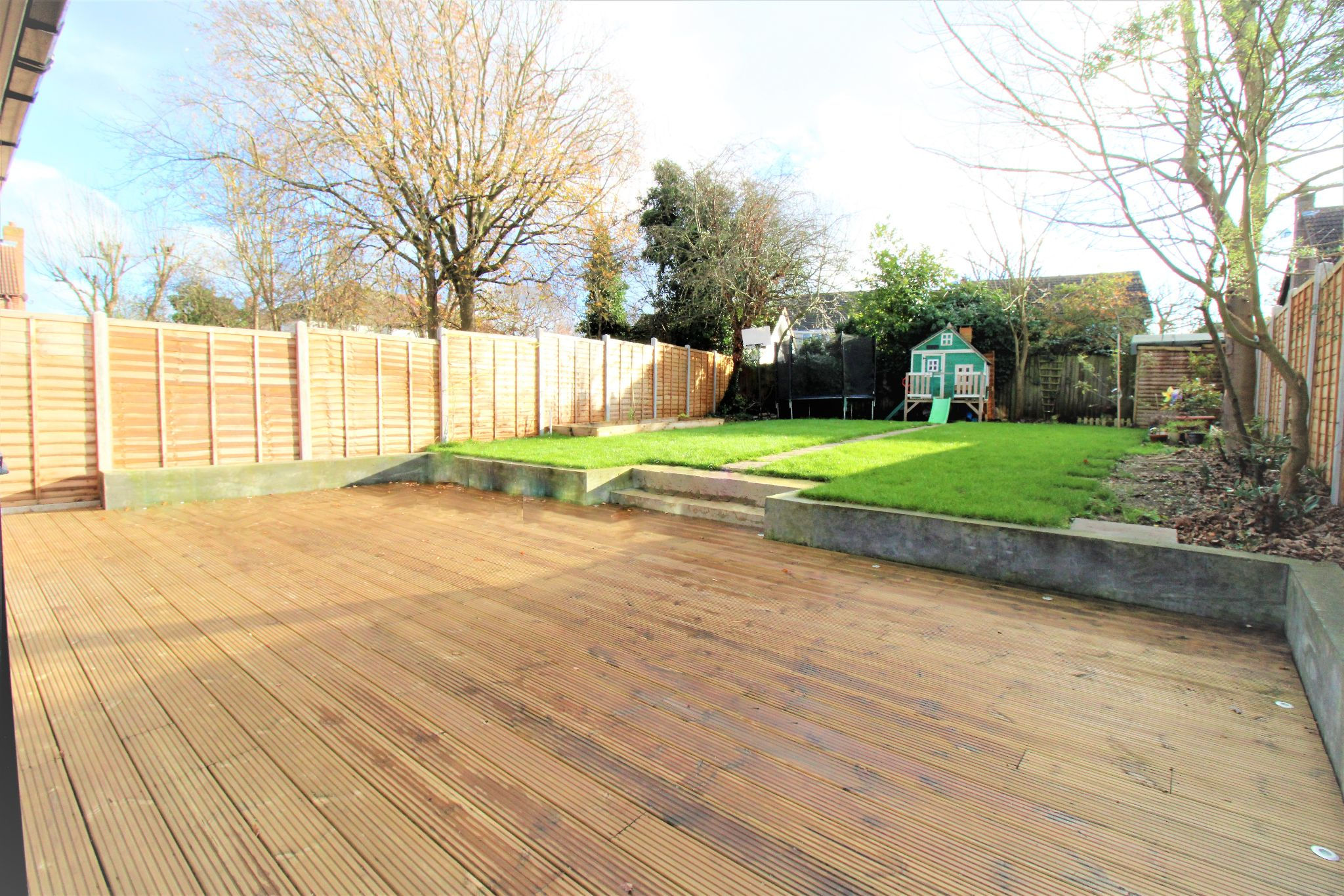4 Bedroom Detached House For Sale - Decking and Garden