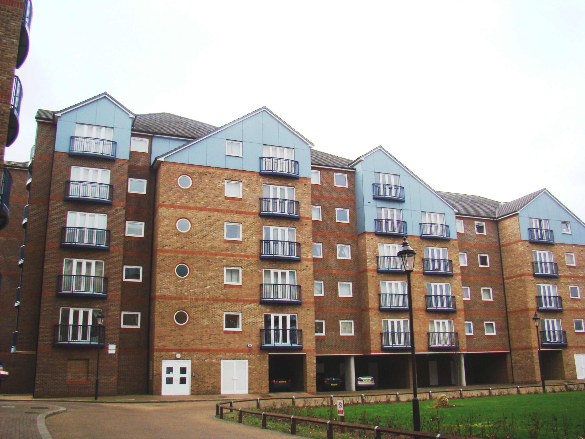 2 Bedroom Flat Flat/apartment For Sale - Exterior