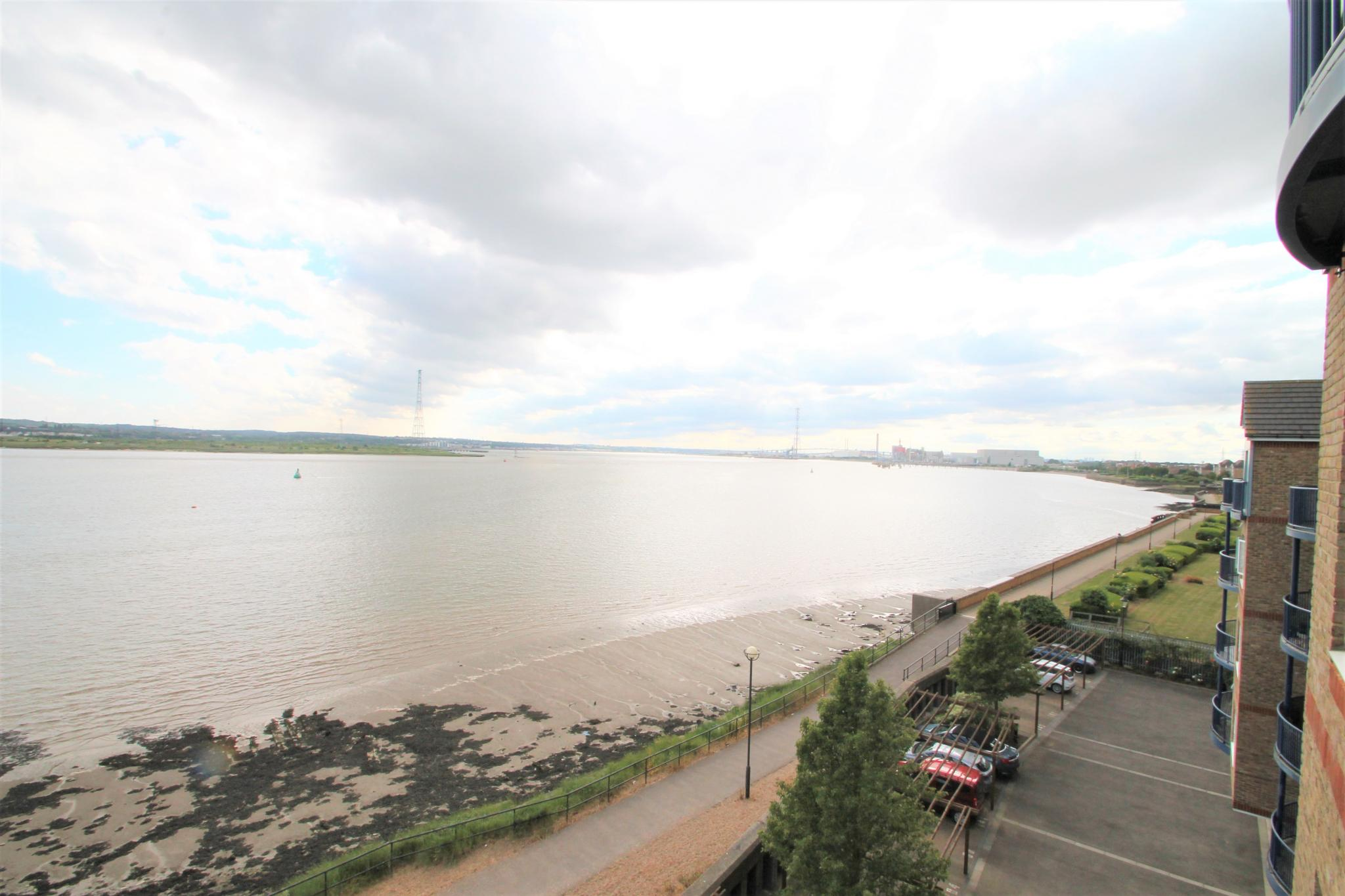 2 Bedroom Flat Flat/apartment For Sale - River Views