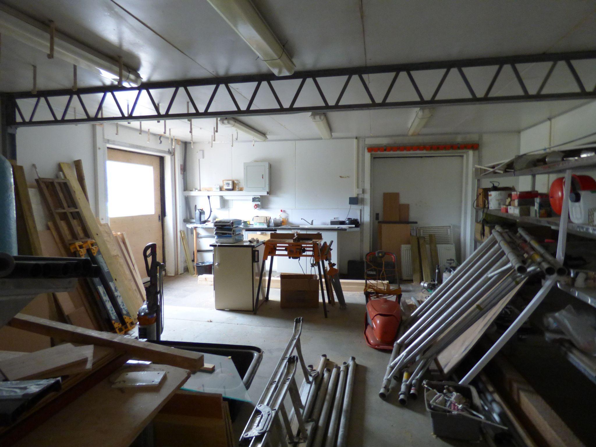 Office To Rent - Sliding Door Unit