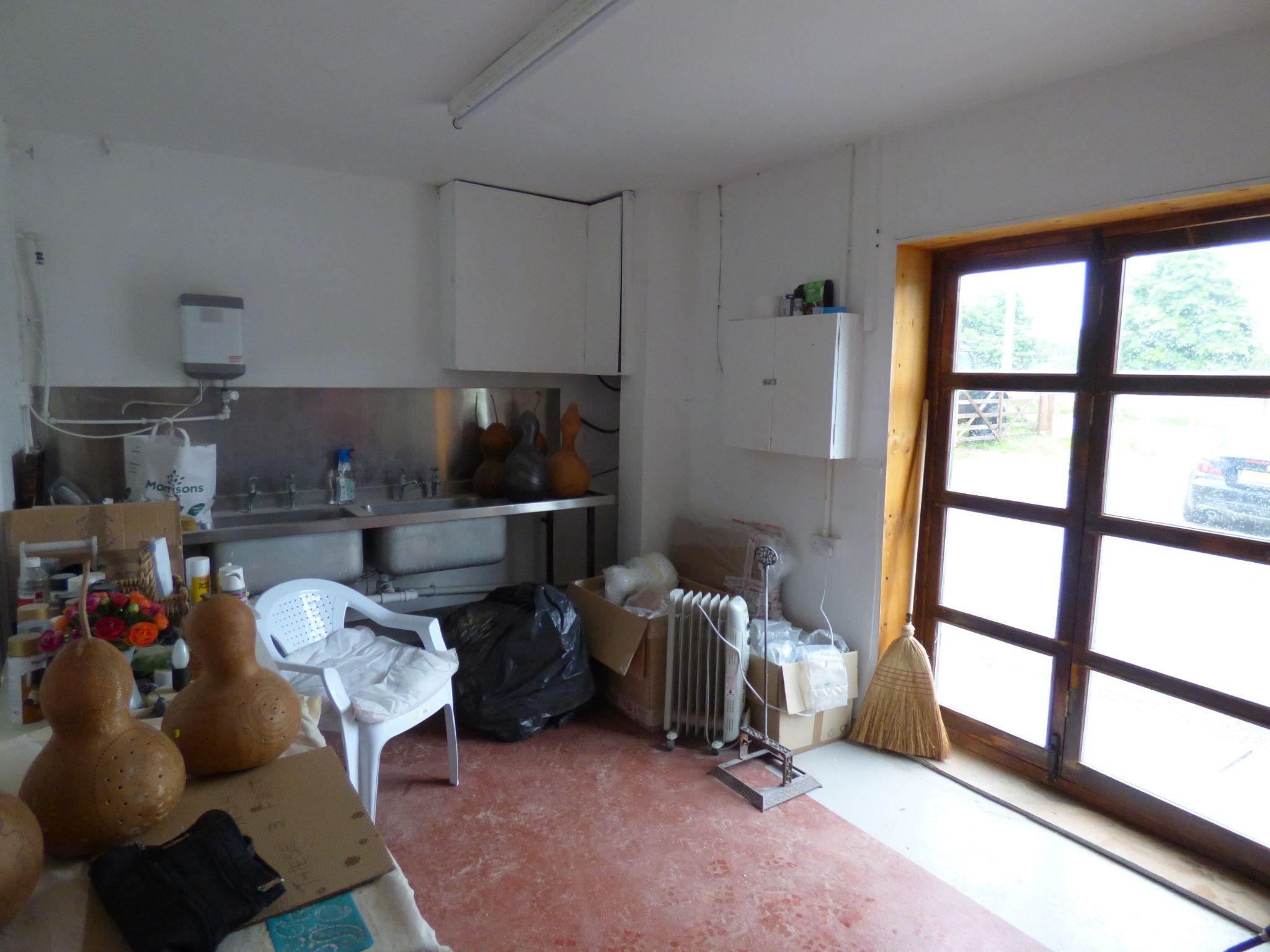 Office To Rent - Studio Unit Photo 1