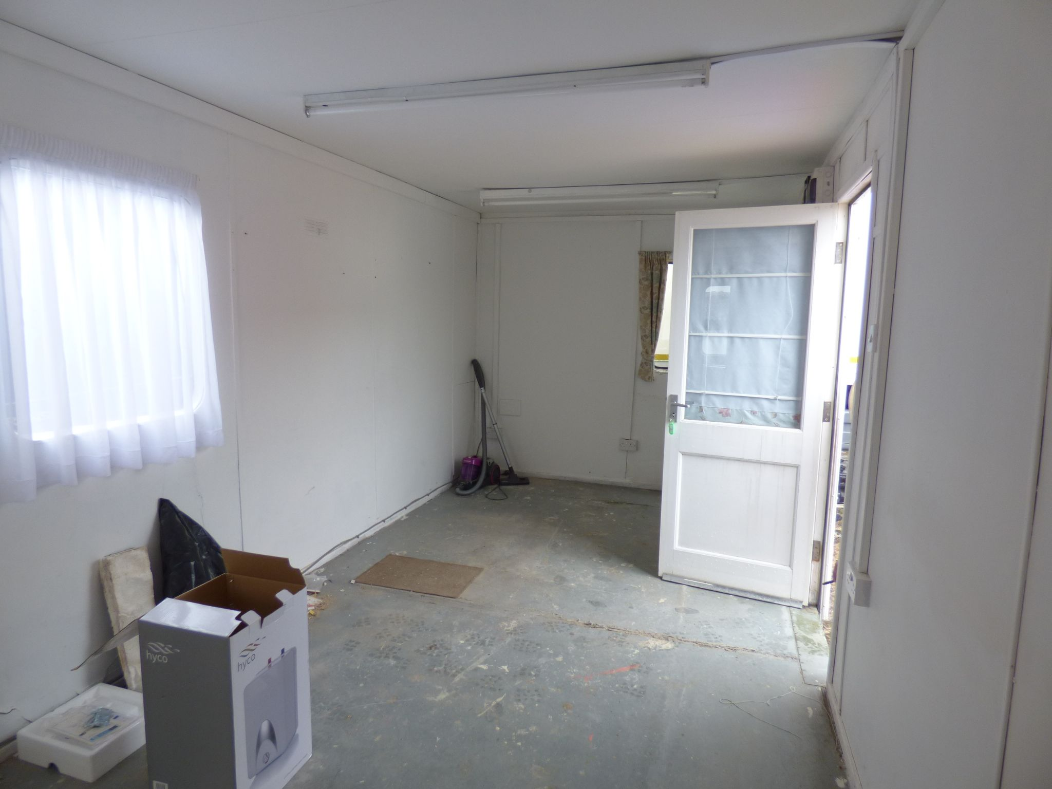 Office To Rent - Portacabin Photo 1