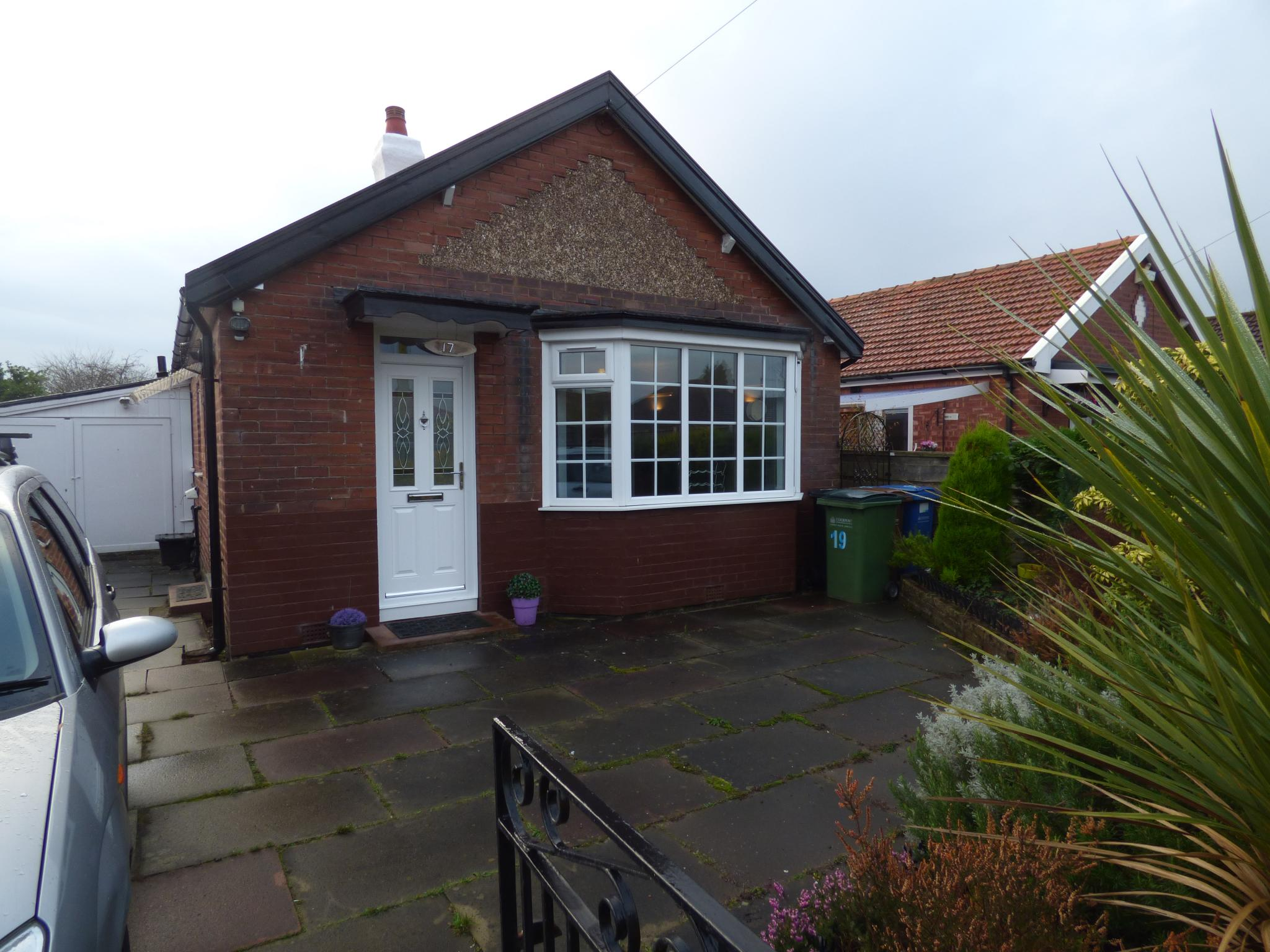 2 bedroom detached bungalow for sale in 17 richmond grove for 2 bedroom bungalow