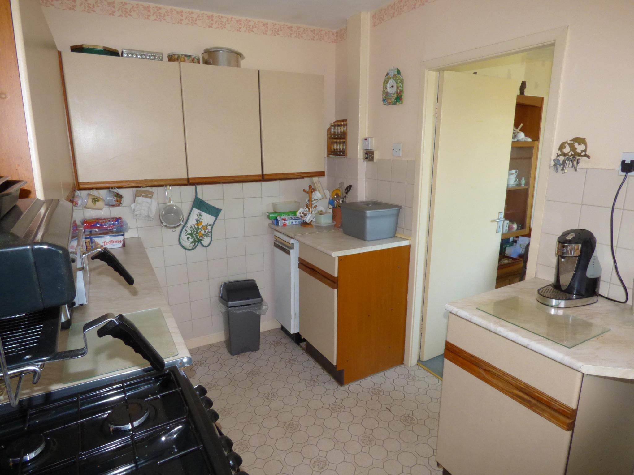 2 Bedroom Detached Bungalow For Sale - Photograph 5