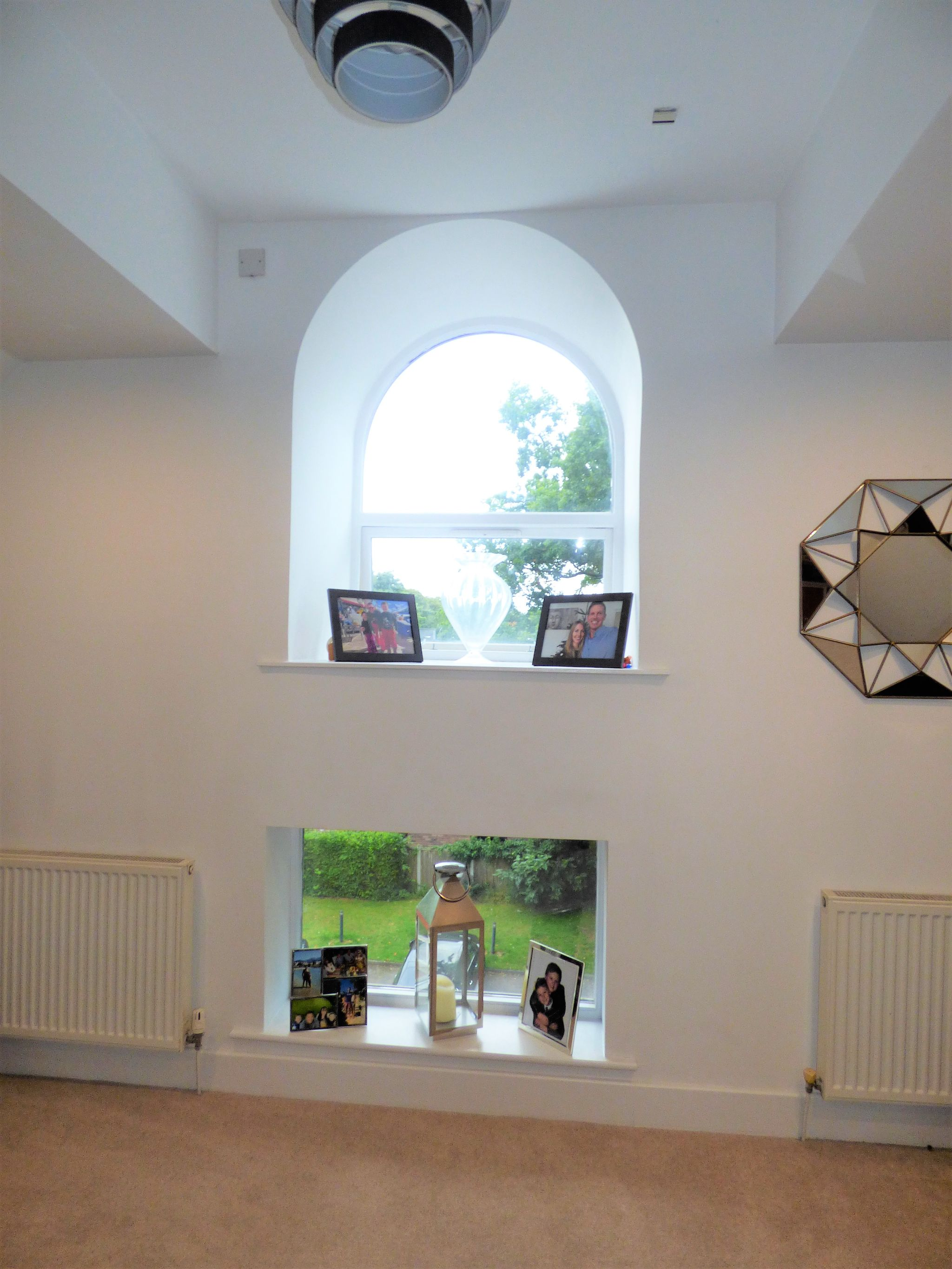 2 Bedroom Penthouse Flat/apartment For Sale - Photograph 6