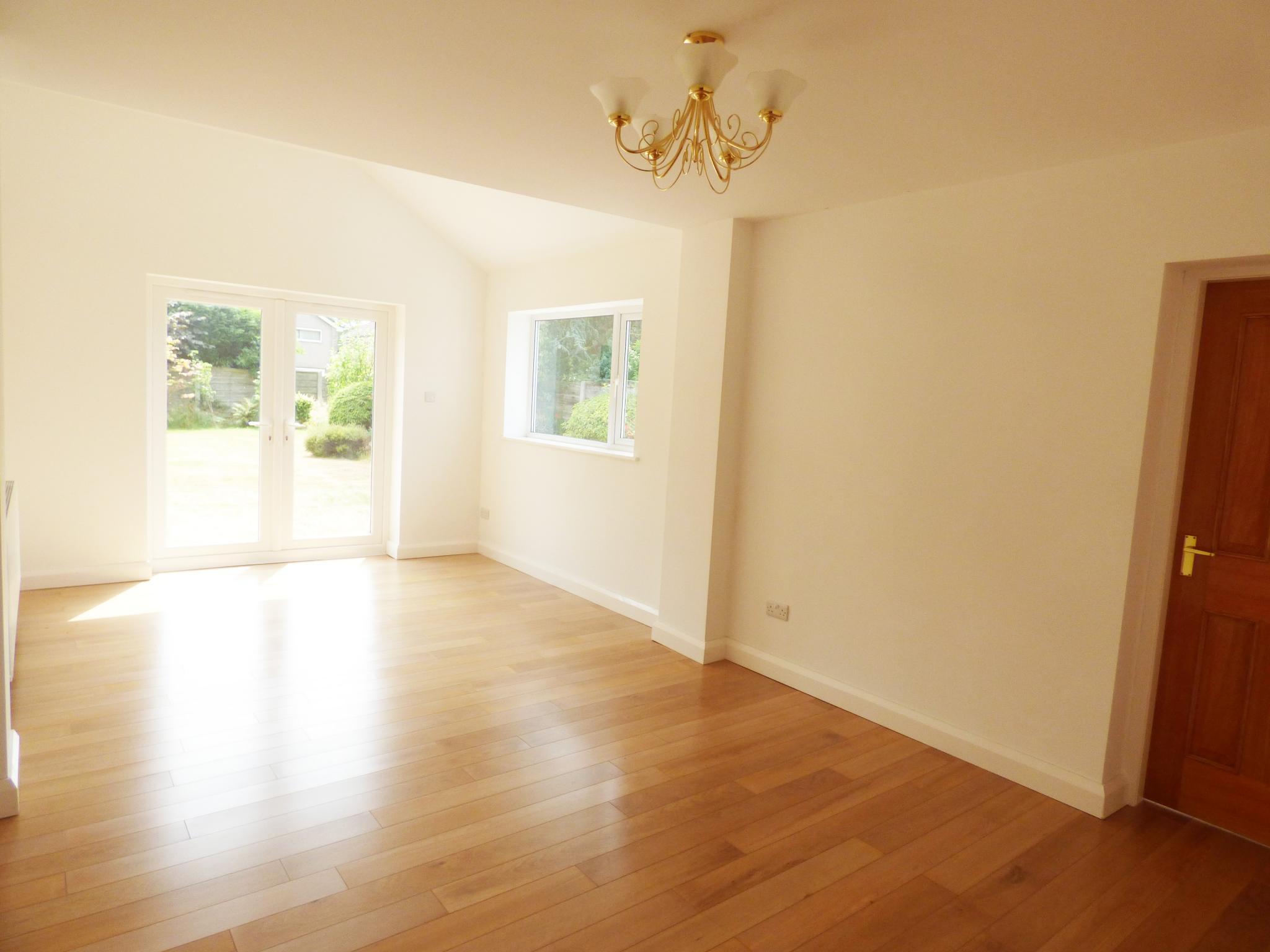 4 Bedroom Detached Bungalow For Sale - Photograph 10