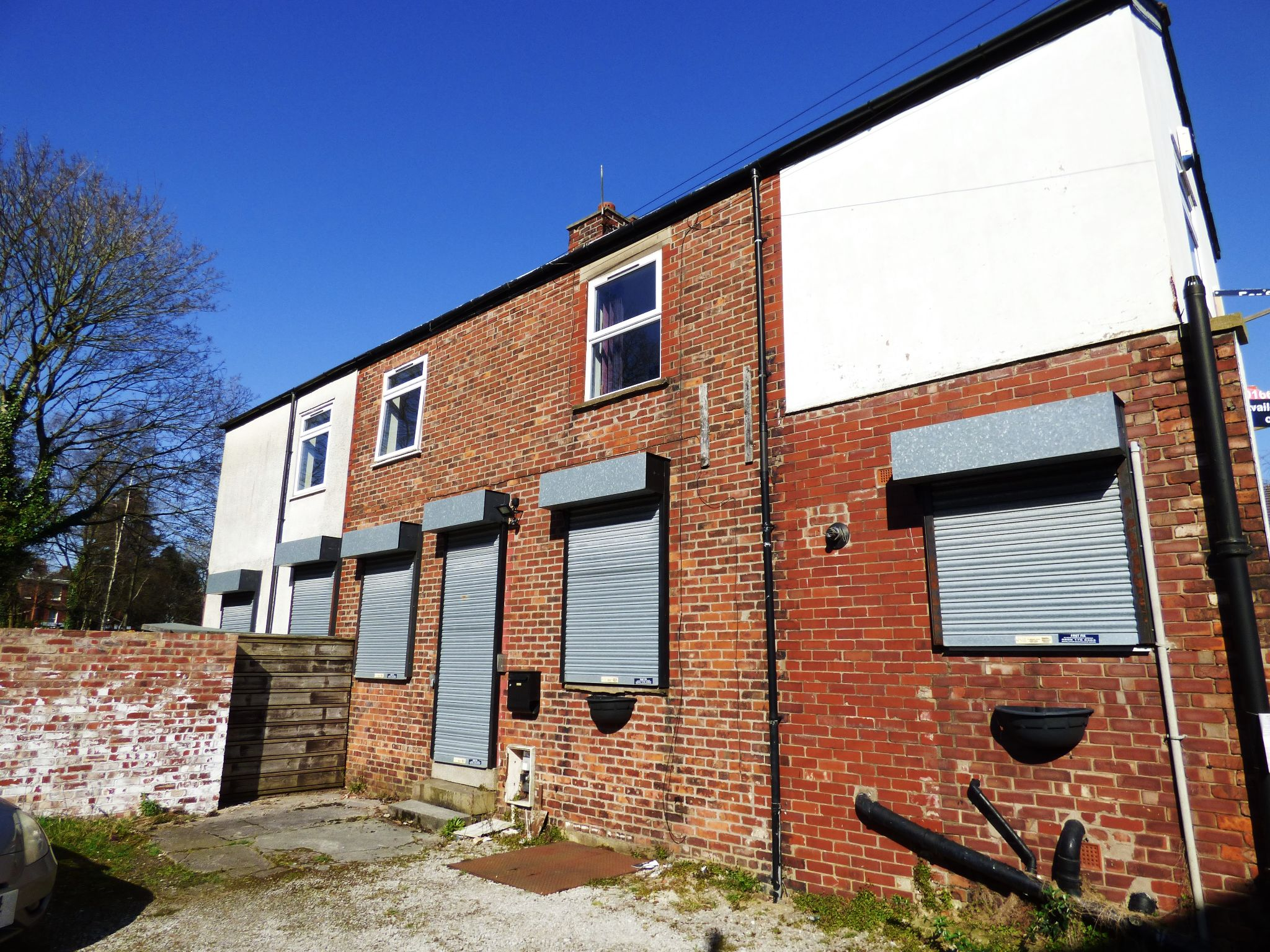 Commercial Property For Sale - Photograph 12