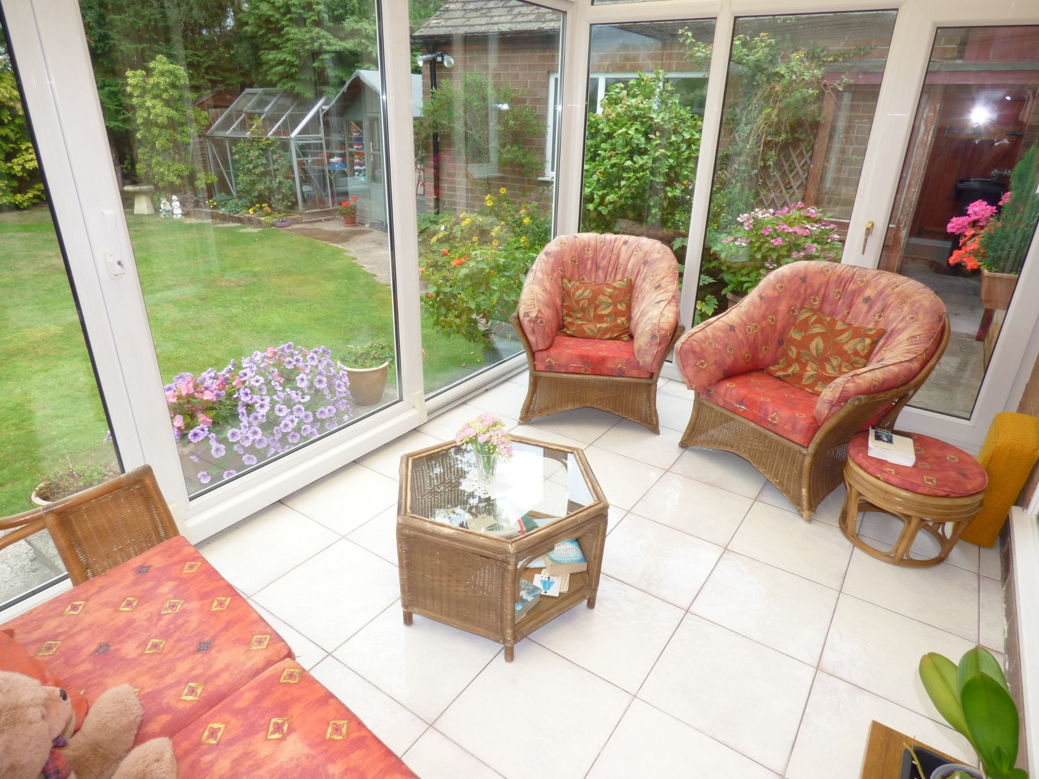4 Bedroom Detached House For Sale - Photograph 5