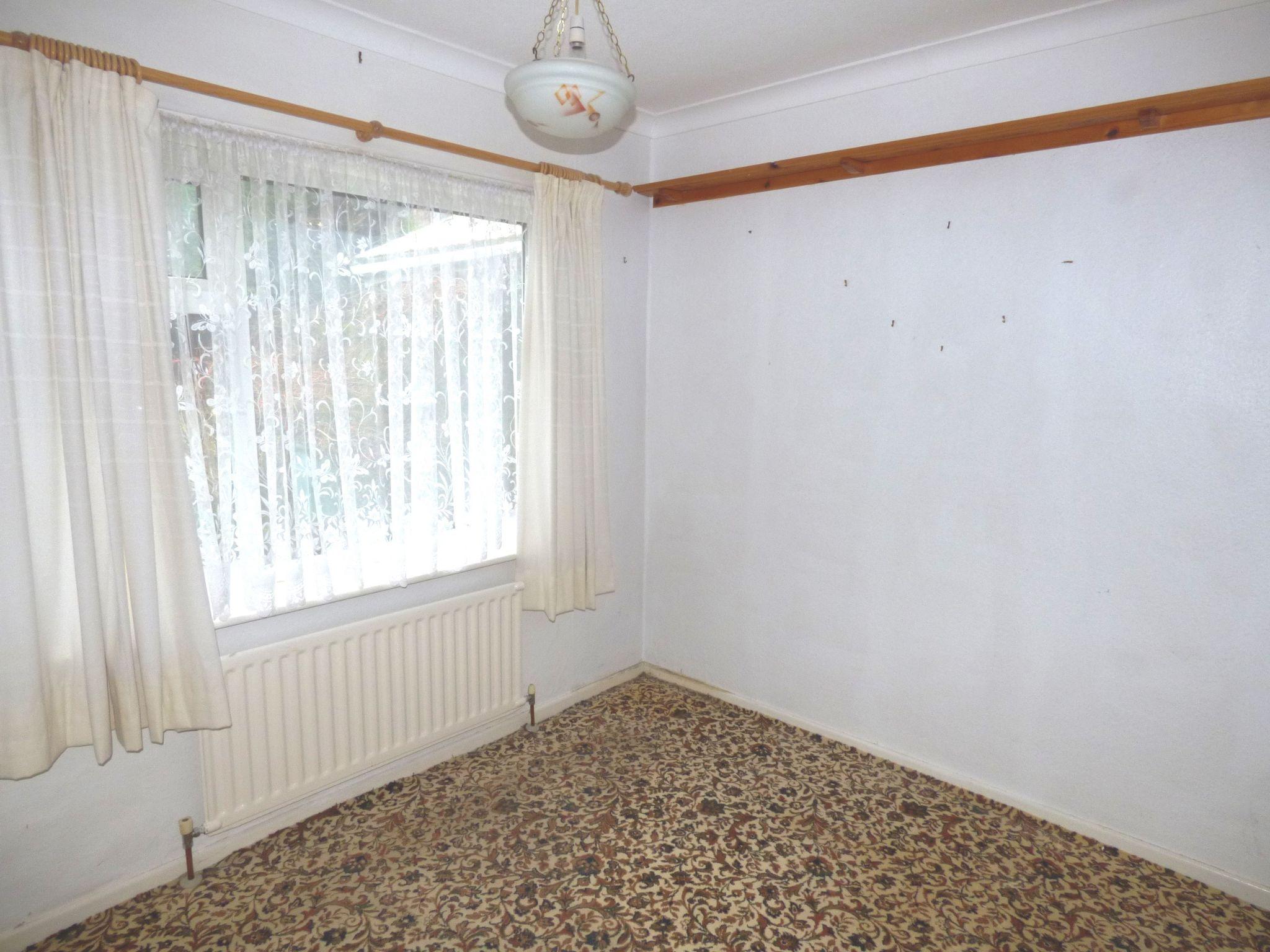 2 Bedroom Semi-detached Bungalow For Sale - Photograph 5
