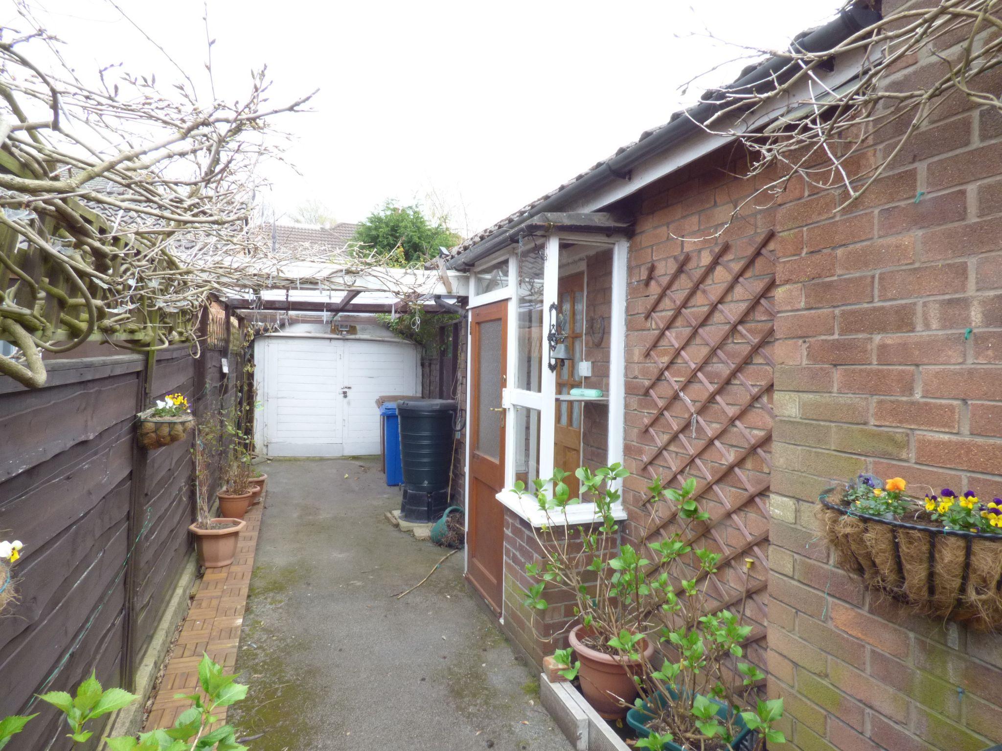 2 Bedroom Semi-detached Bungalow For Sale - Photograph 11
