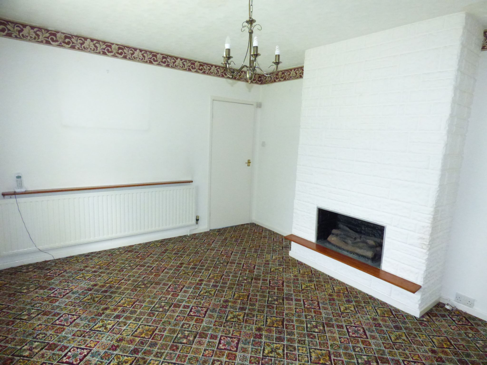 2 Bedroom Detached House For Sale - Photograph 7