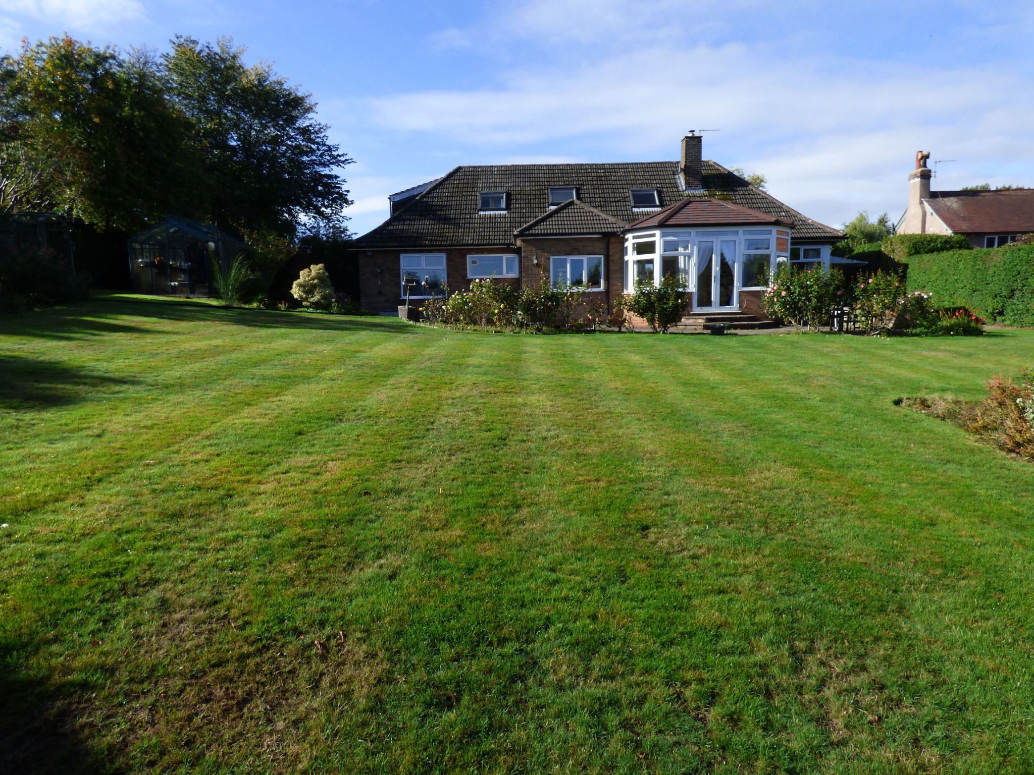 5 Bedroom Detached Bungalow For Sale - Photograph 24