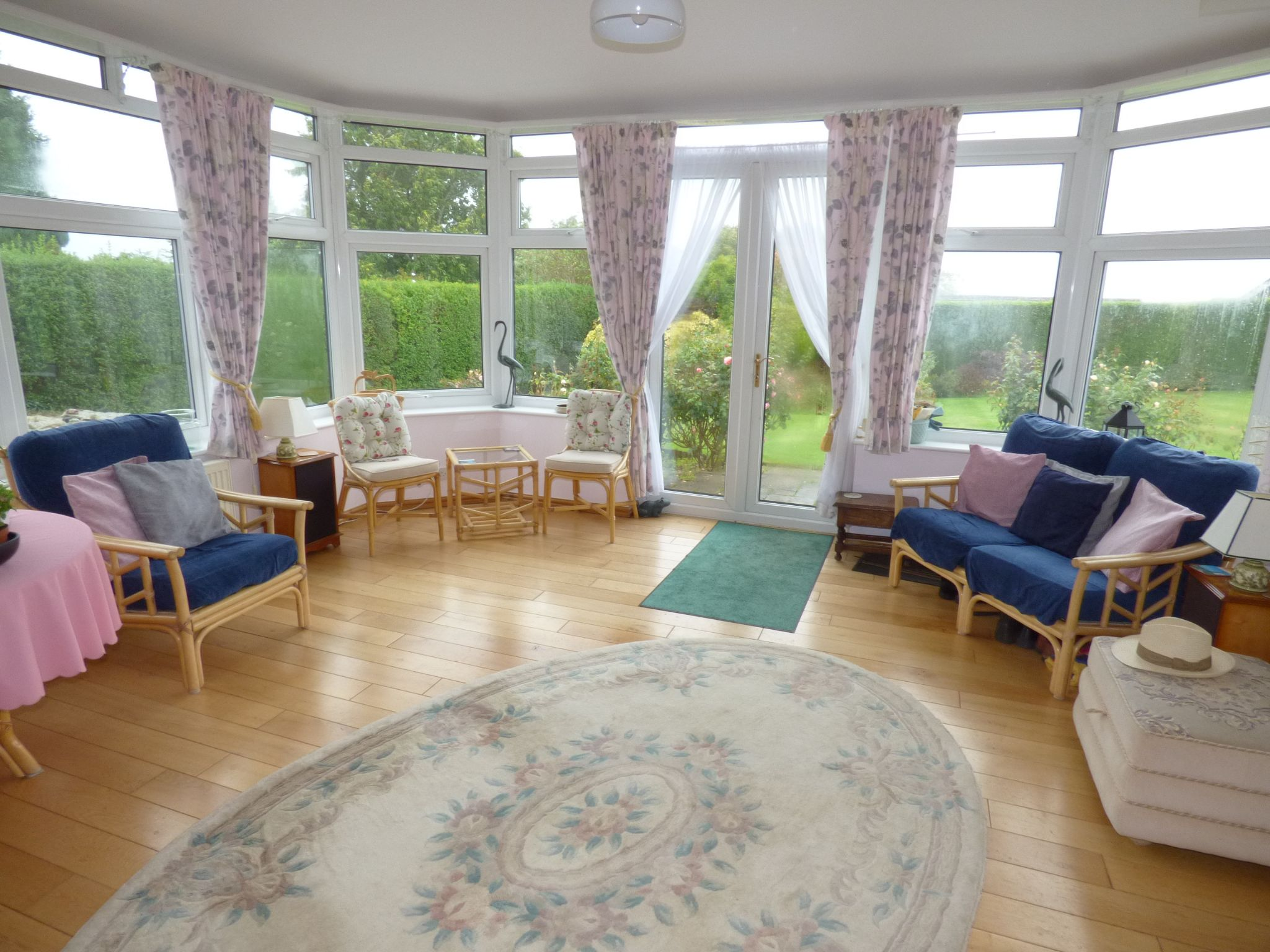 5 Bedroom Detached Bungalow For Sale - Photograph 6