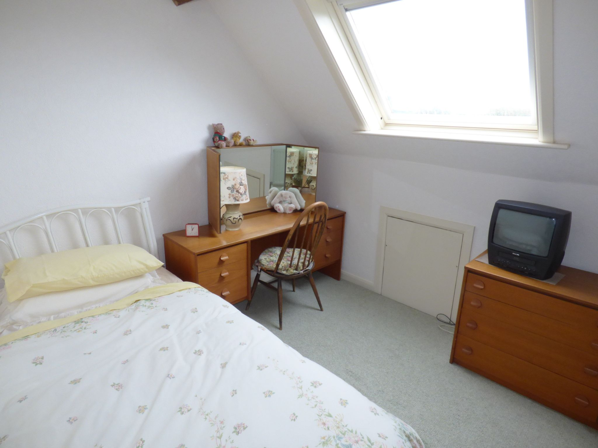 5 Bedroom Detached Bungalow For Sale - Photograph 5