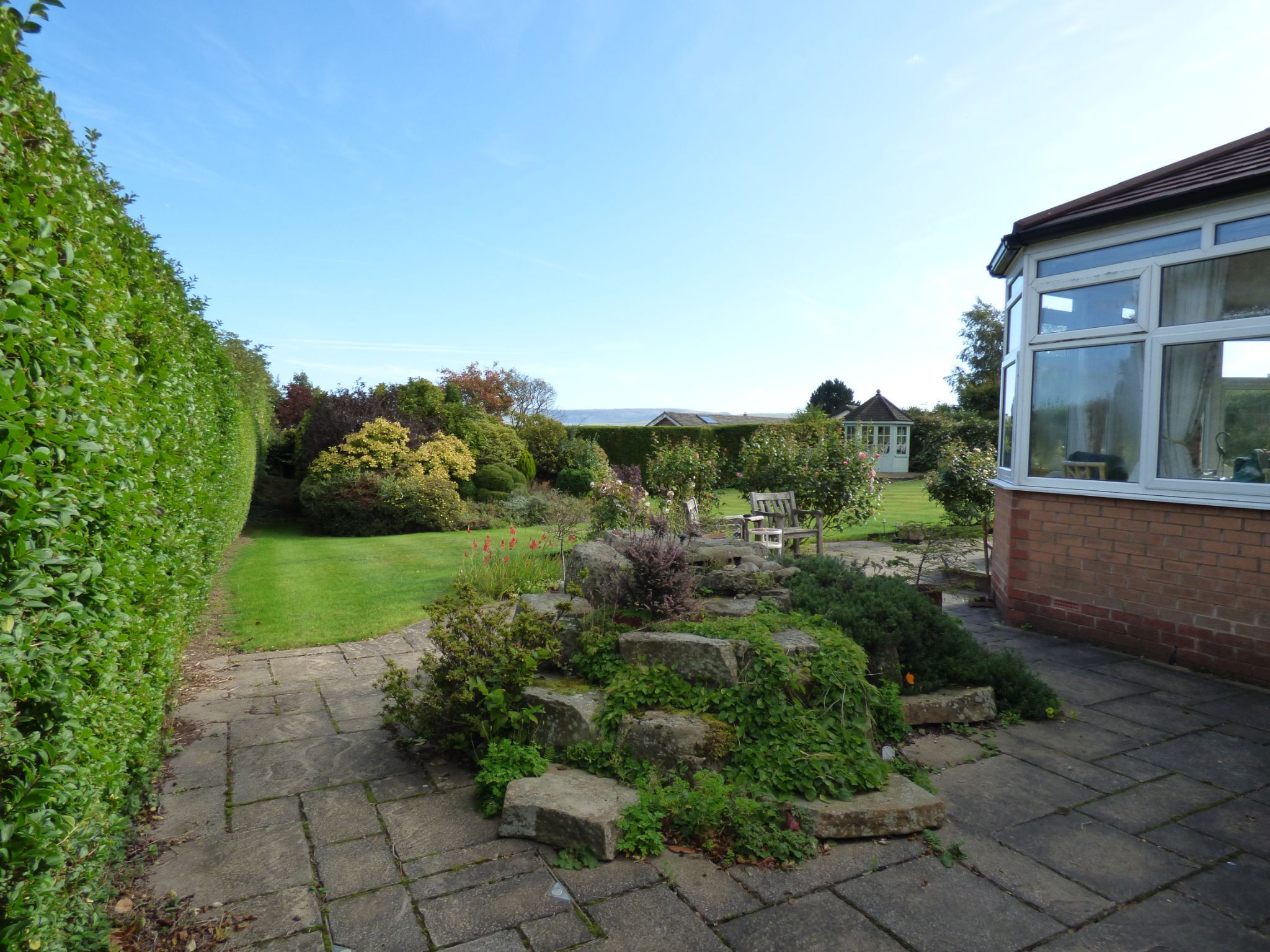 5 Bedroom Detached Bungalow For Sale - Photograph 28