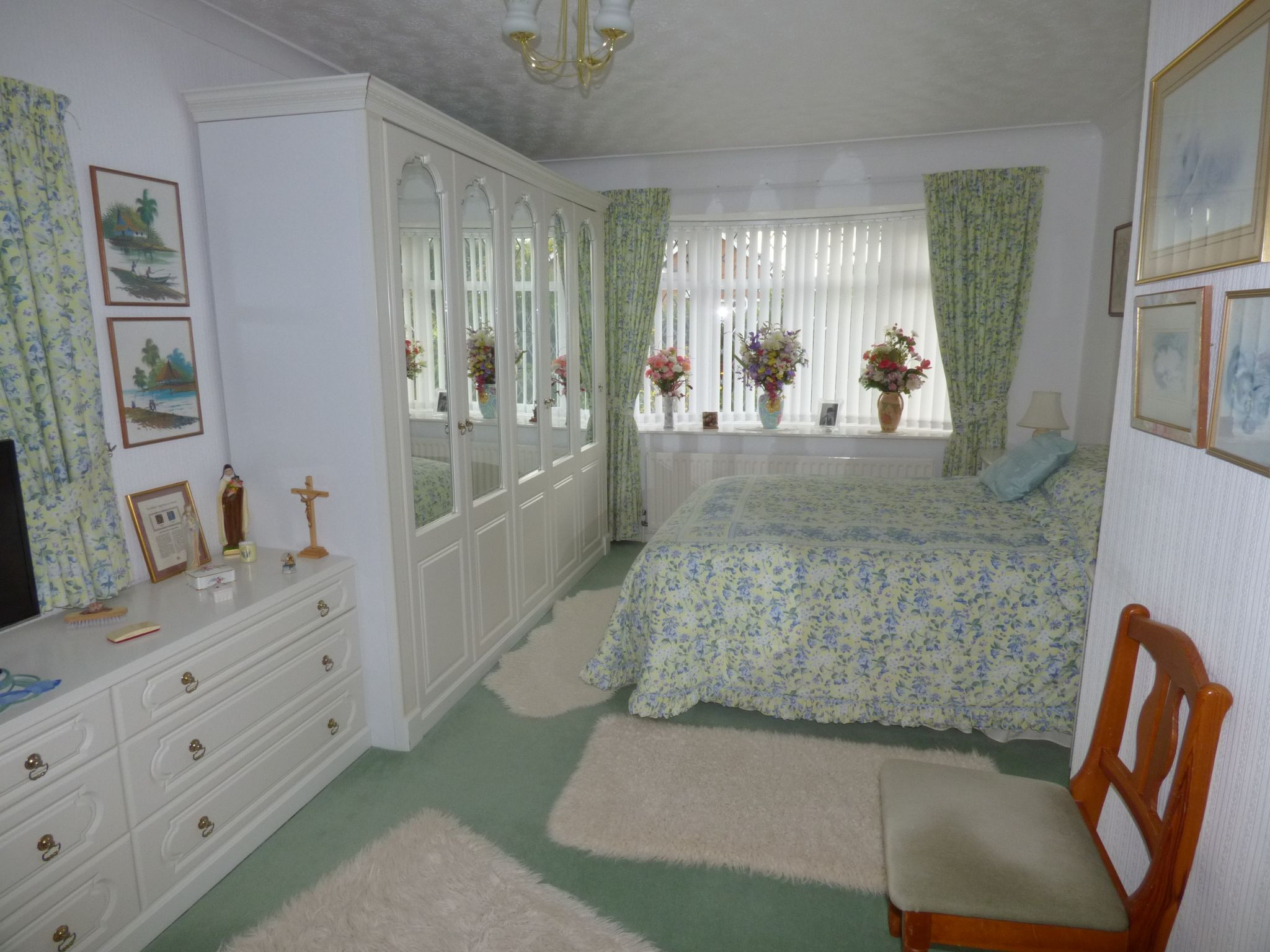 4 Bedroom Detached Bungalow For Sale - Photograph 9