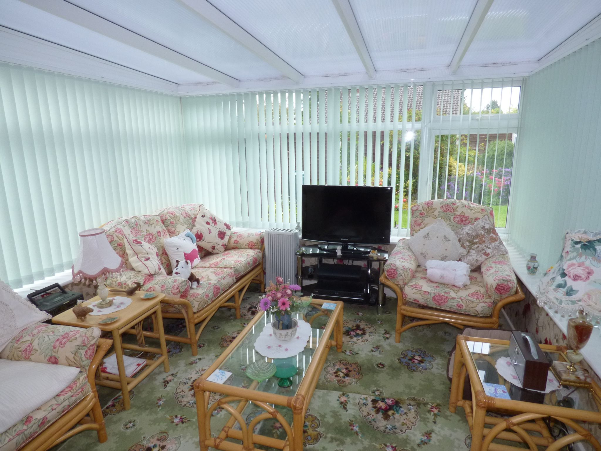 4 Bedroom Detached Bungalow For Sale - Photograph 8