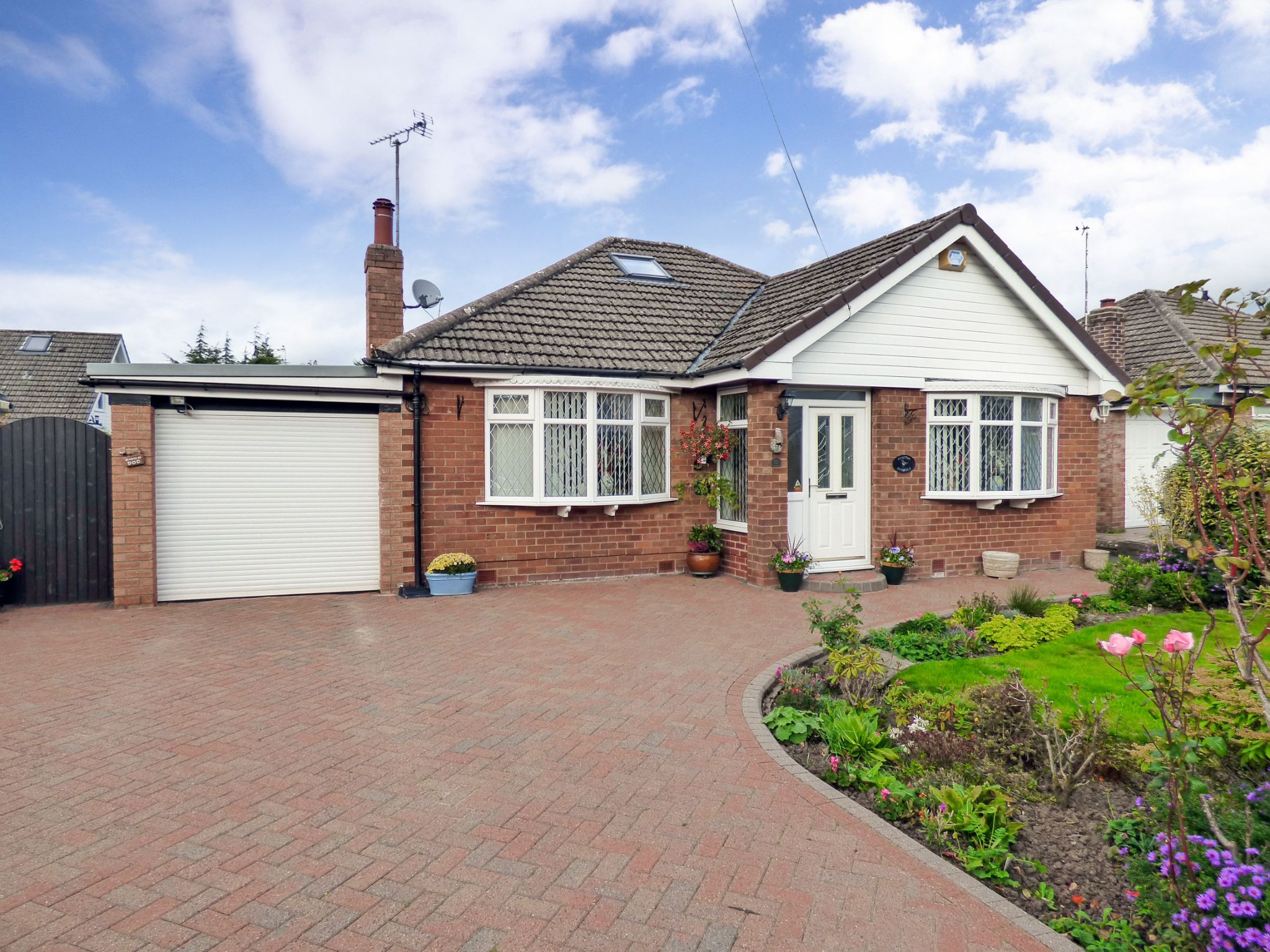 4 Bedroom Detached Bungalow For Sale - Photograph 1