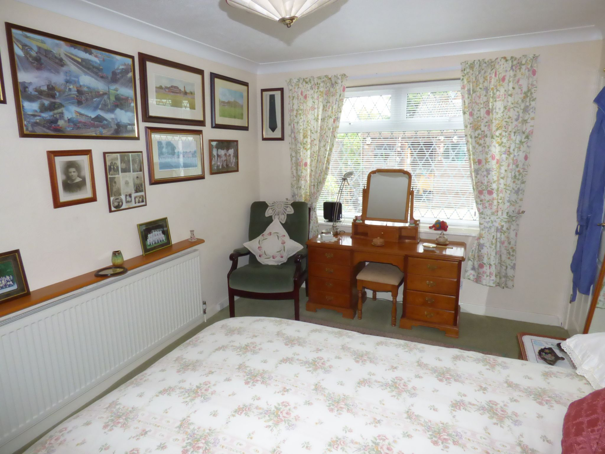 4 Bedroom Detached Bungalow For Sale - Photograph 11