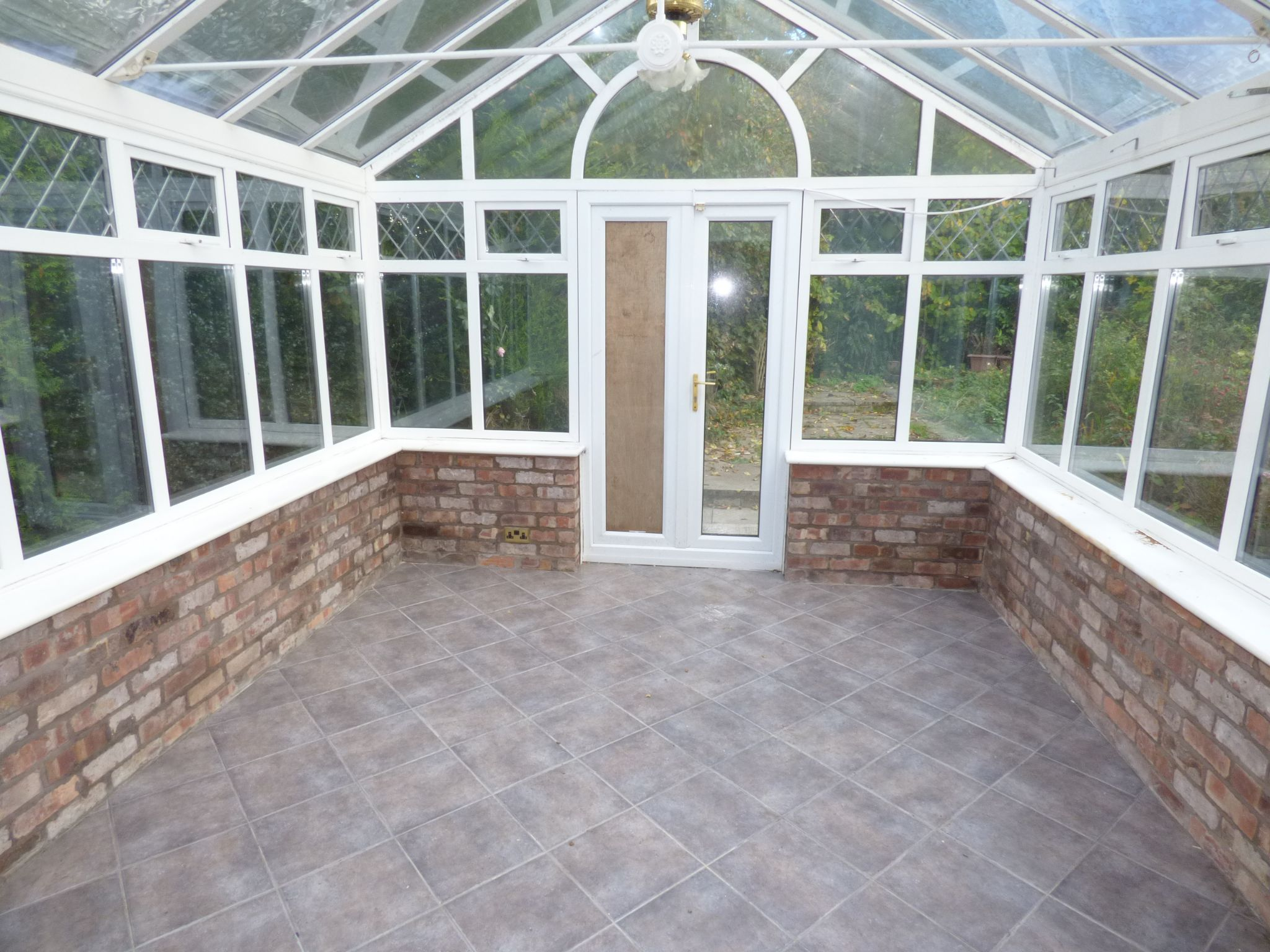 3 Bedroom Detached Bungalow For Sale - Conservatory