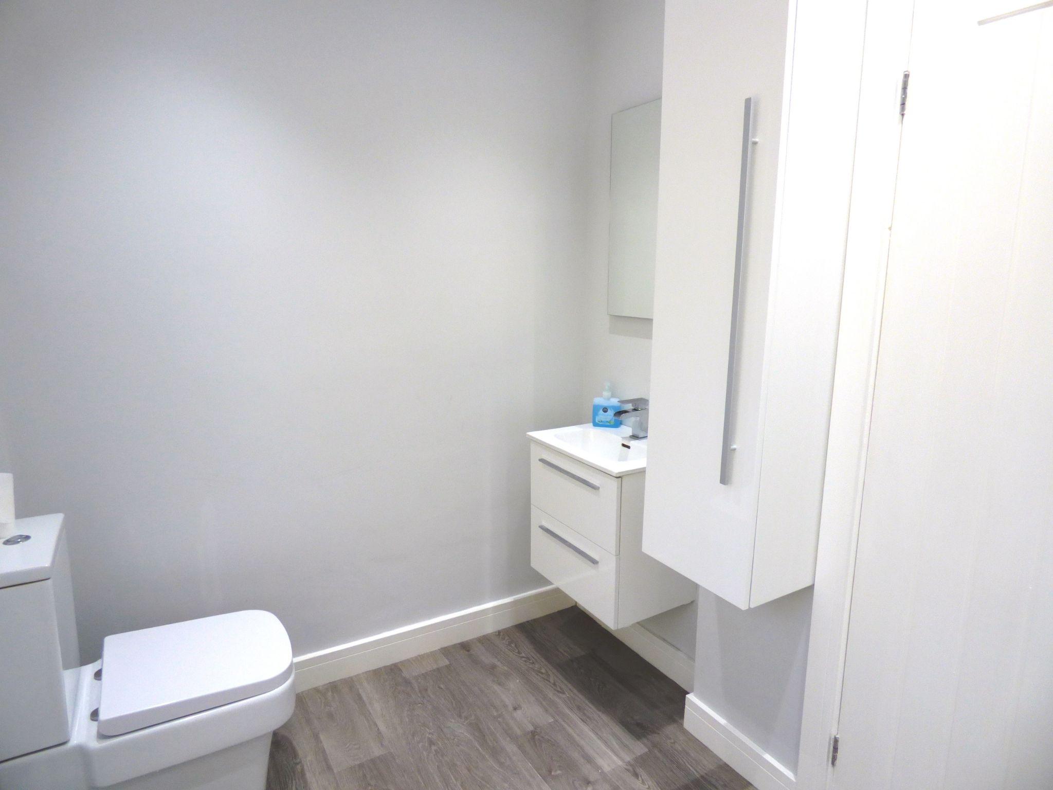 2 Bedroom Detached Bungalow For Sale - Photograph 19