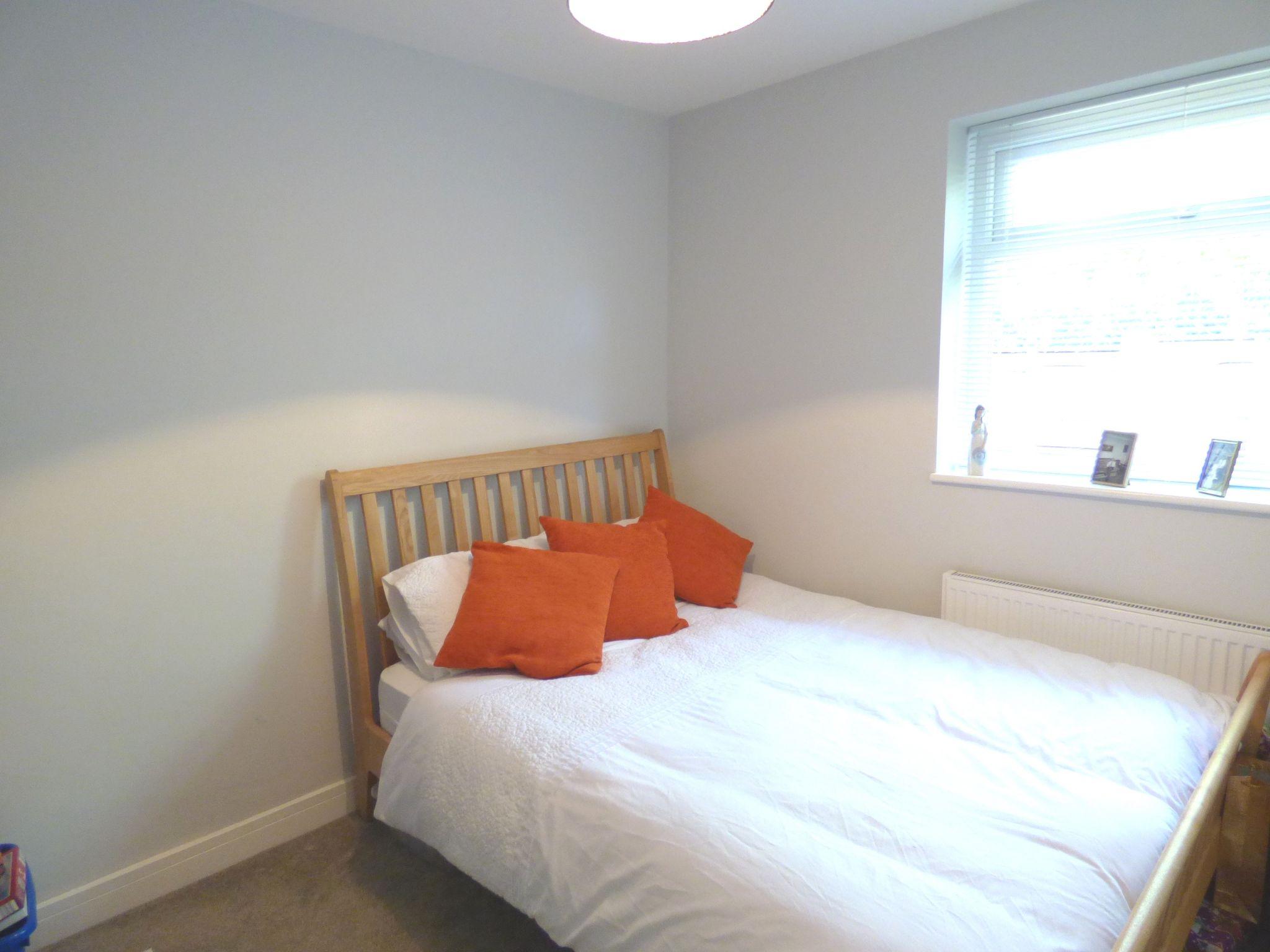 2 Bedroom Detached Bungalow For Sale - Photograph 20