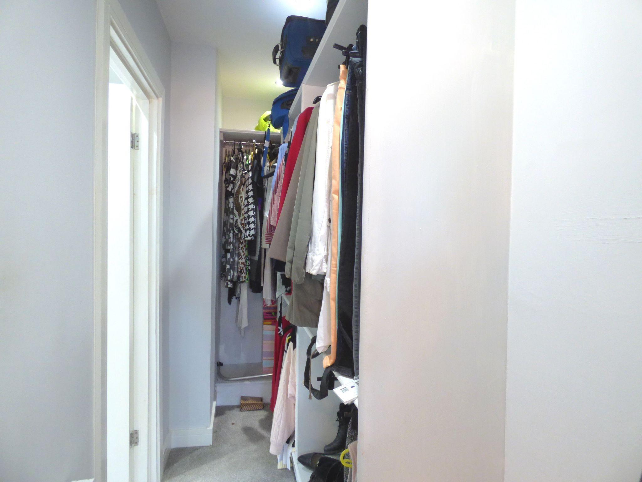 2 Bedroom Detached Bungalow For Sale - Photograph 17