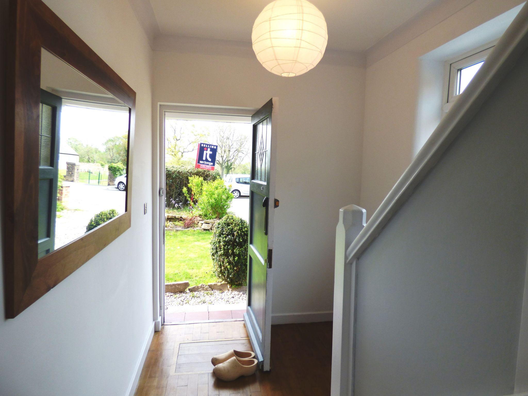 3 Bedroom Semi-detached House For Sale - Hallway