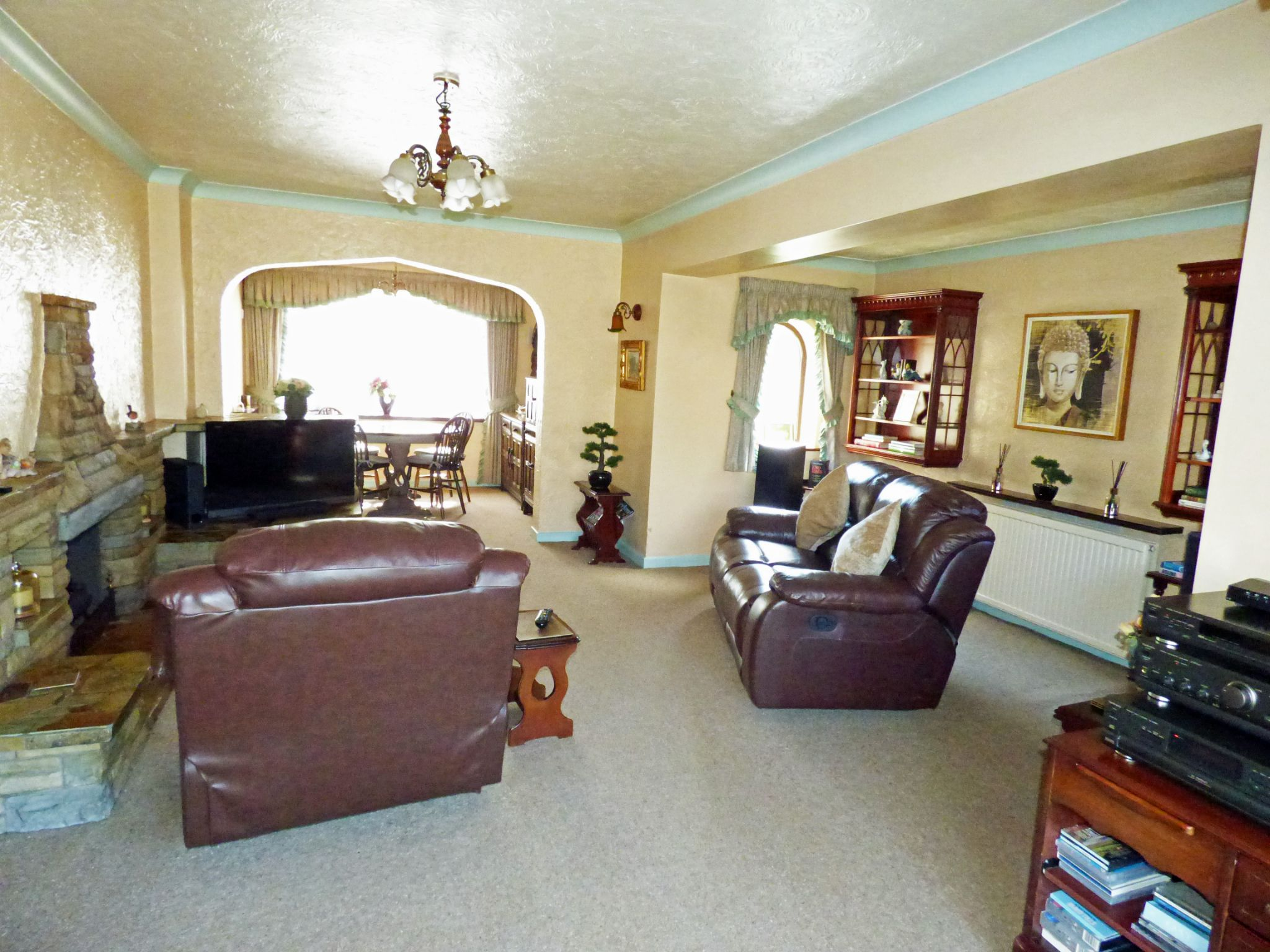 3 Bedroom Detached House For Sale - Lounge 2