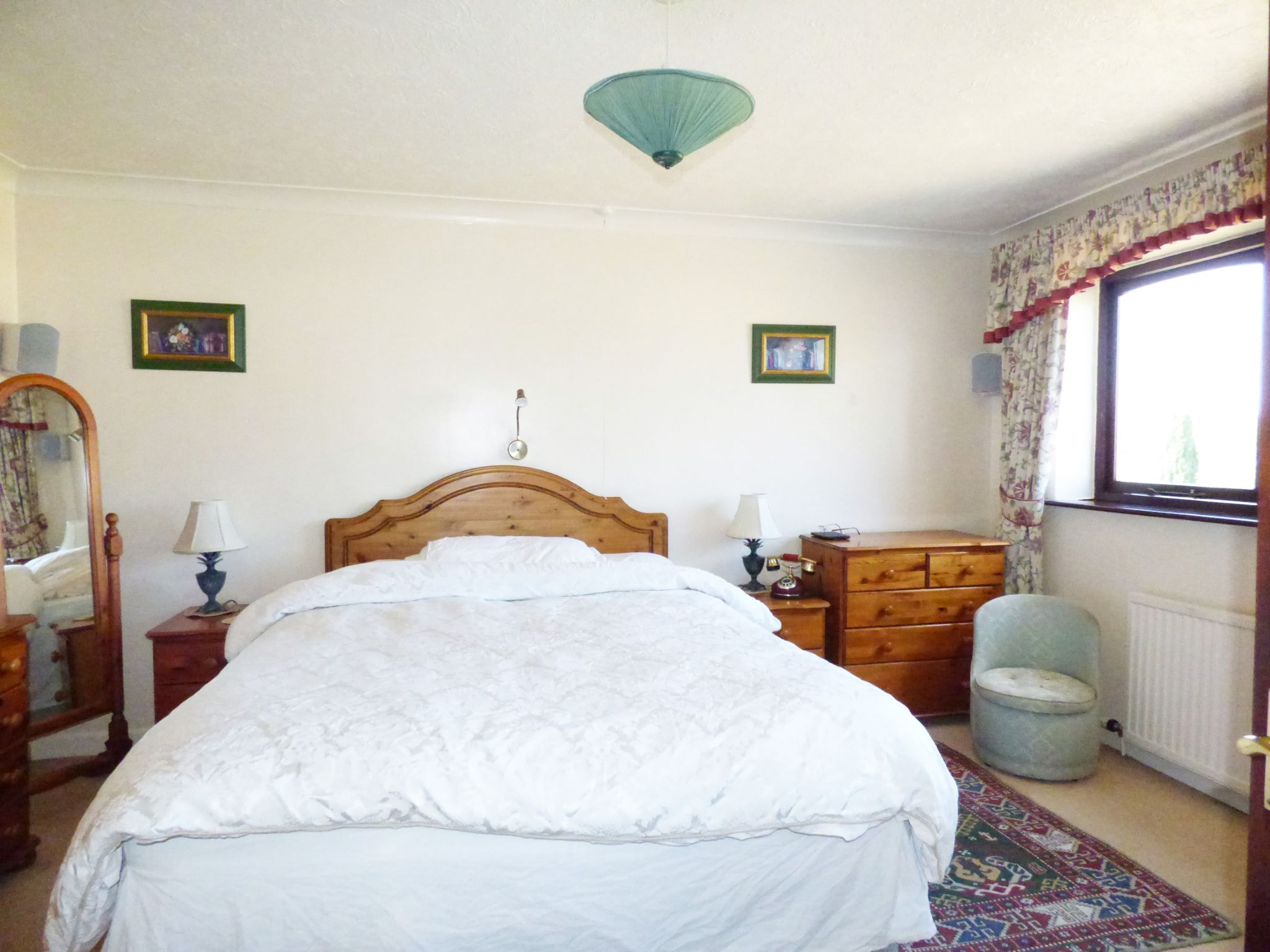 3 Bedroom Detached House For Sale - Bedroom 1