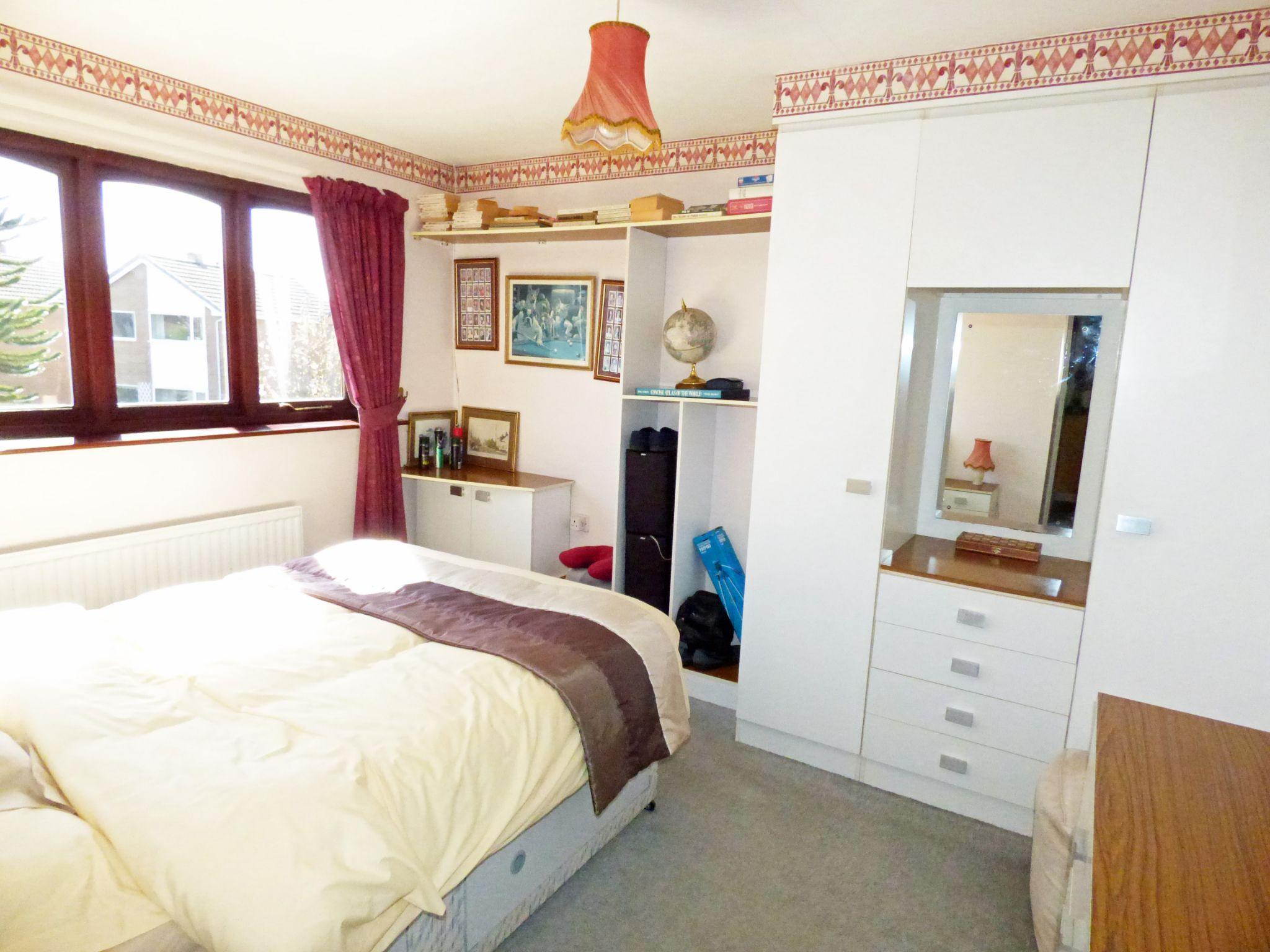 3 Bedroom Detached House For Sale - Bedroom 2