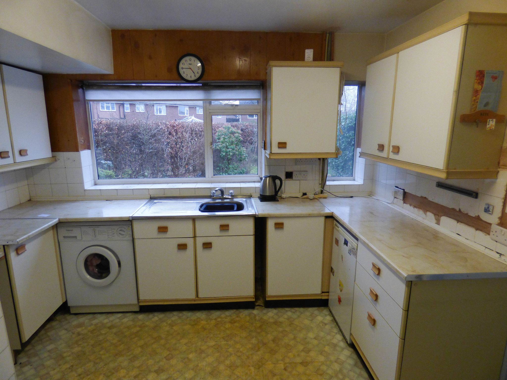 3 Bedroom Semi-detached House For Sale - 6