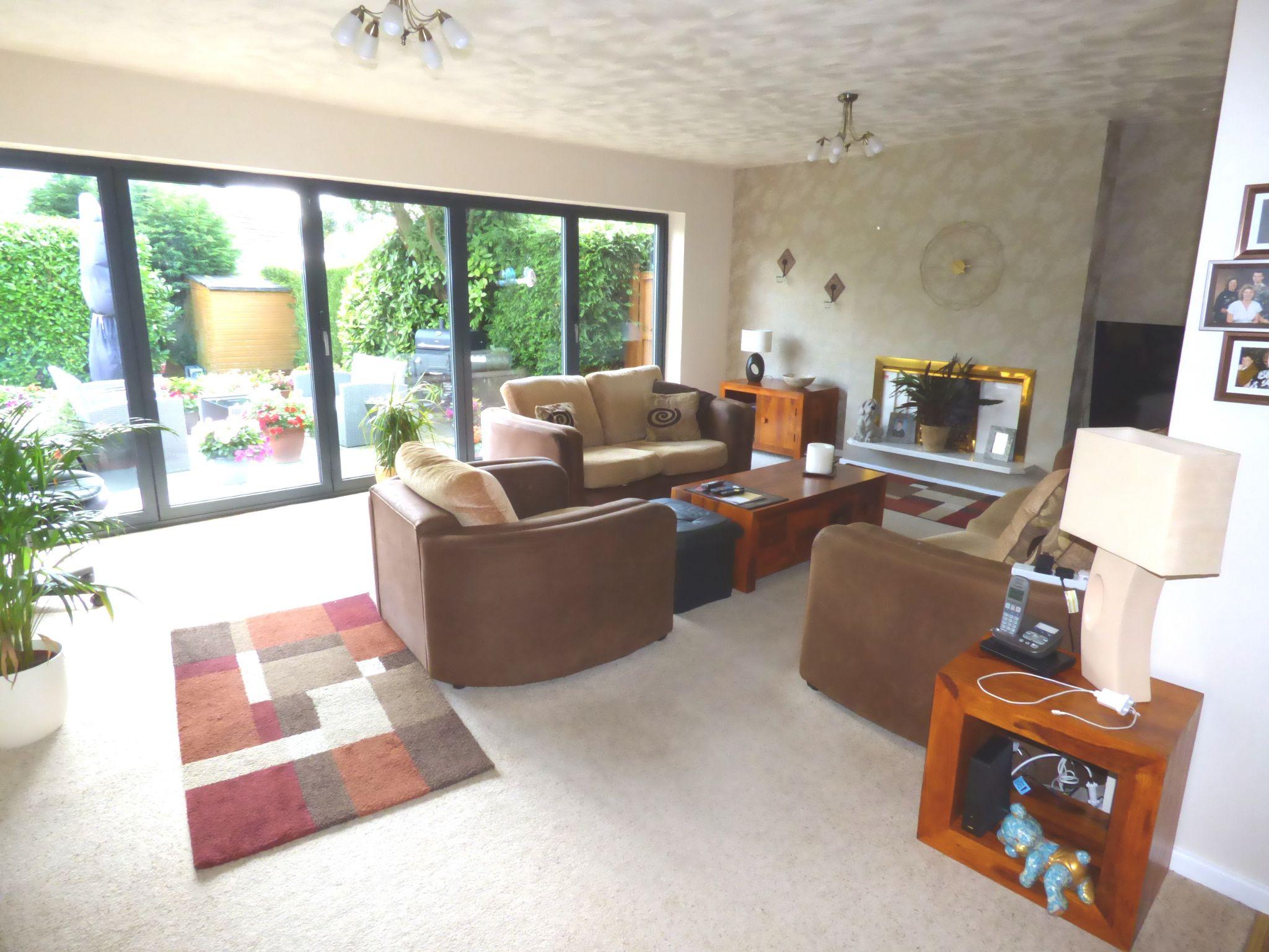 5 Bedroom Detached Bungalow For Sale - Photograph 2
