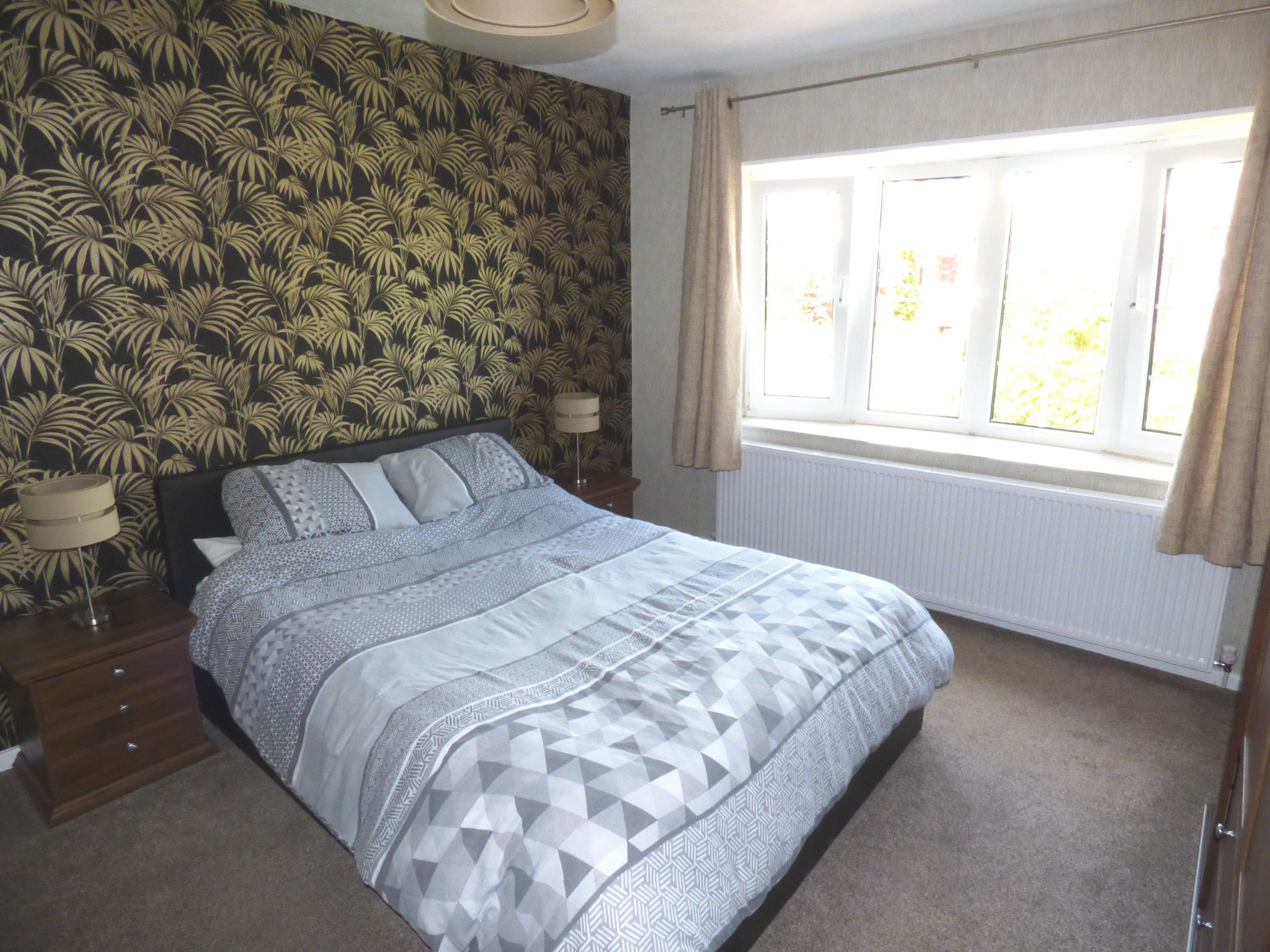 5 Bedroom Detached Bungalow For Sale - Photograph 5