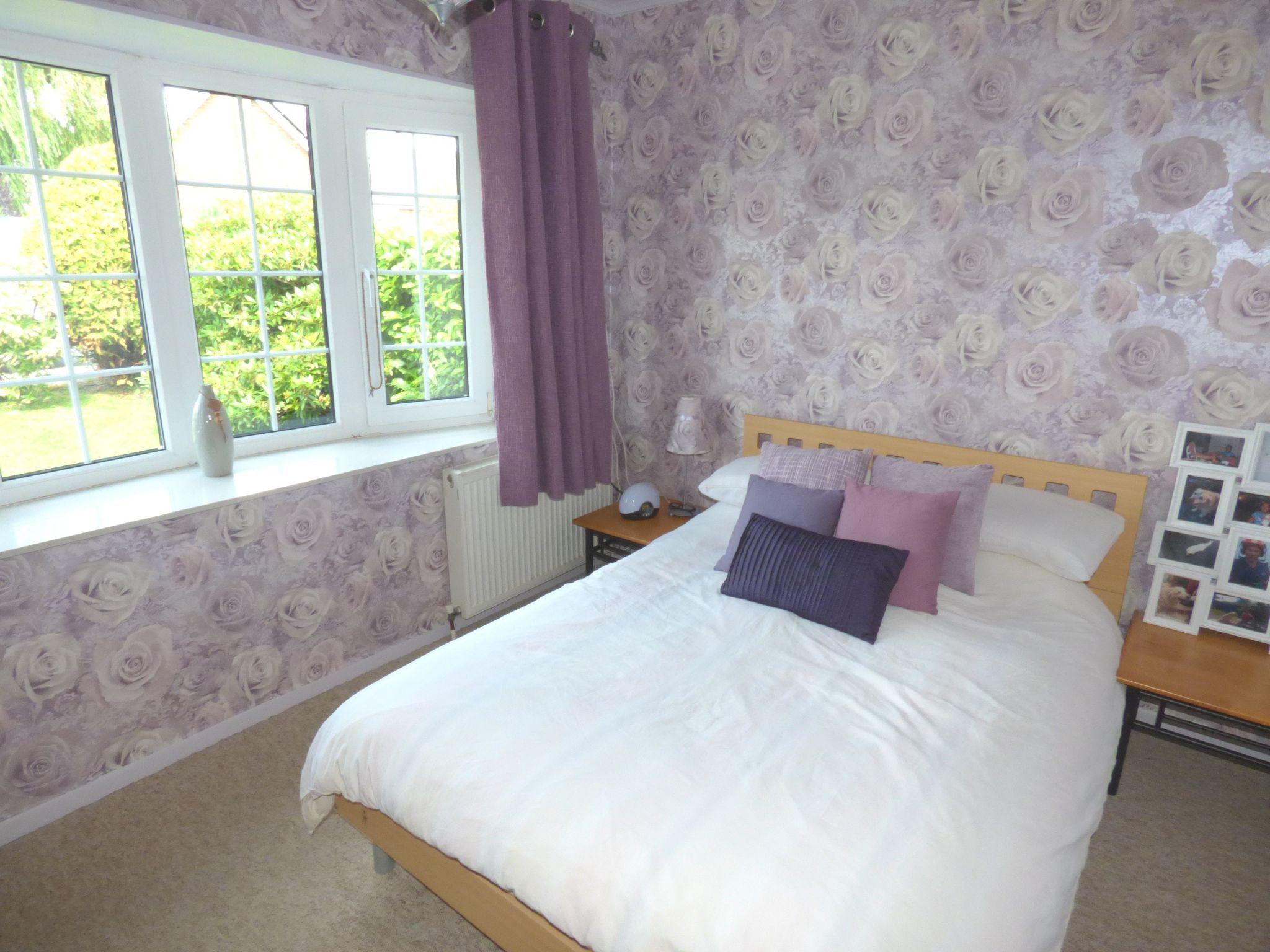 5 Bedroom Detached Bungalow For Sale - Photograph 9