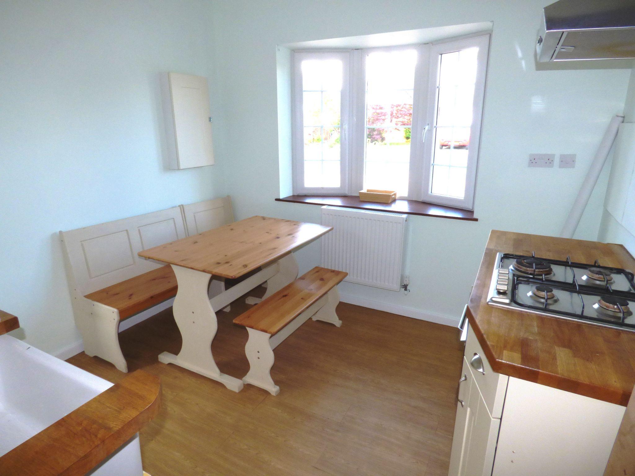 5 Bedroom Detached Bungalow For Sale - Photograph 13