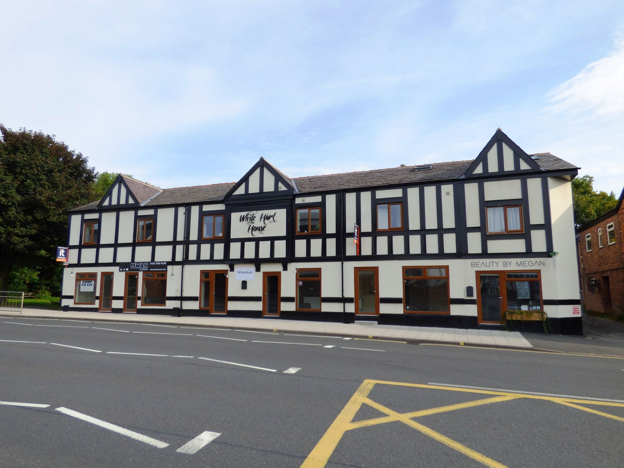 Commercial Property To Rent - Photograph 18