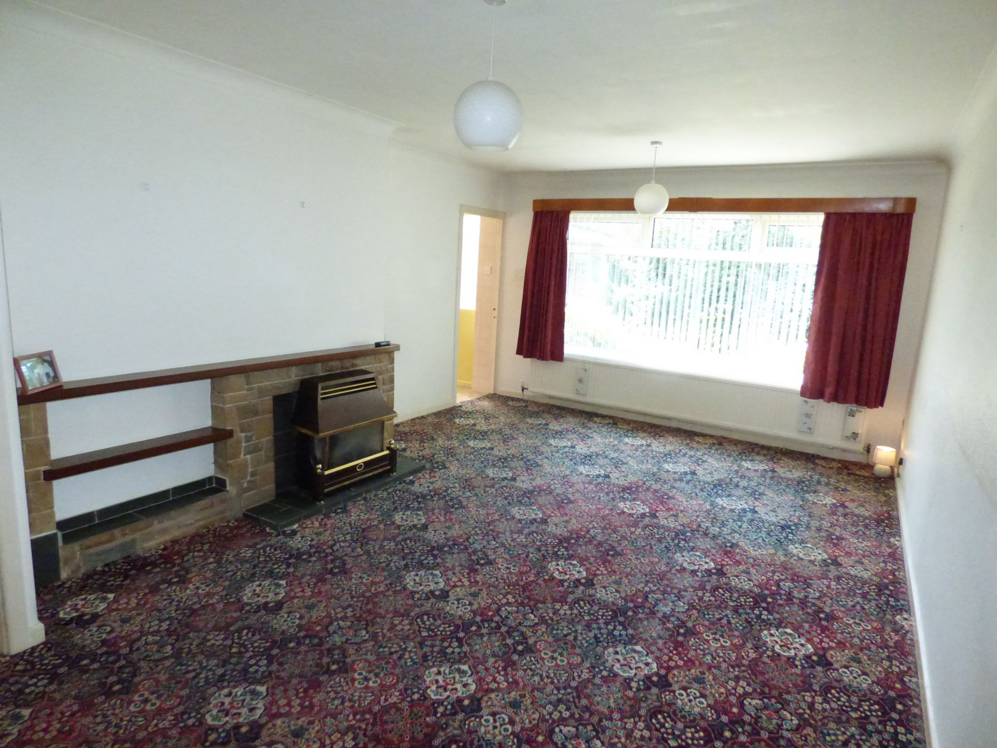 3 Bedroom Semi-detached Bungalow For Sale - Photograph 5