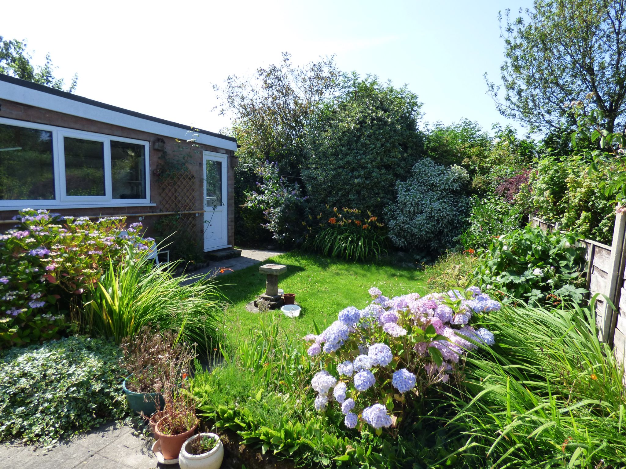 3 Bedroom Semi-detached Bungalow For Sale - Photograph 2