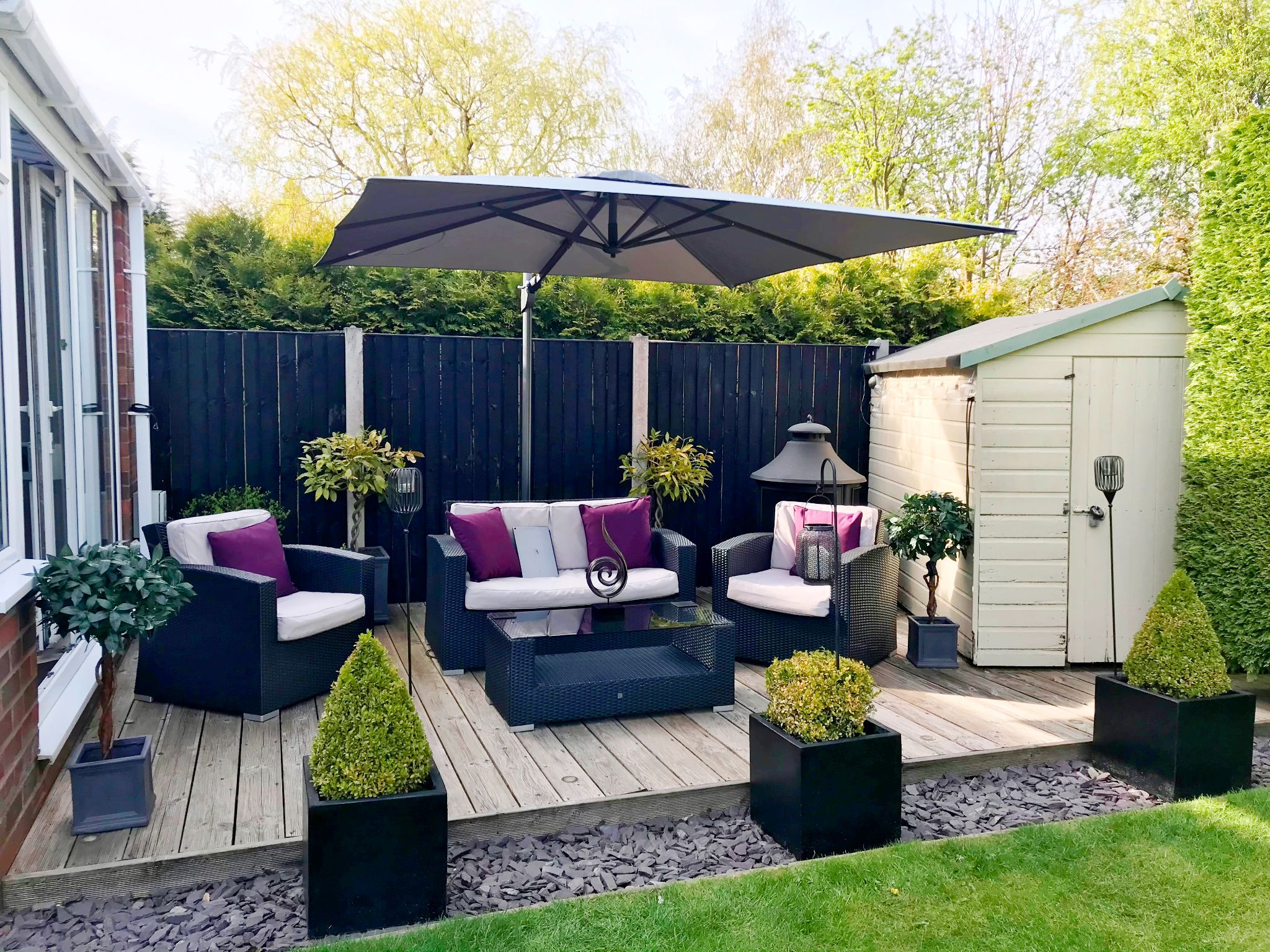 5 Bedroom Semi-detached House For Sale - Decking Area