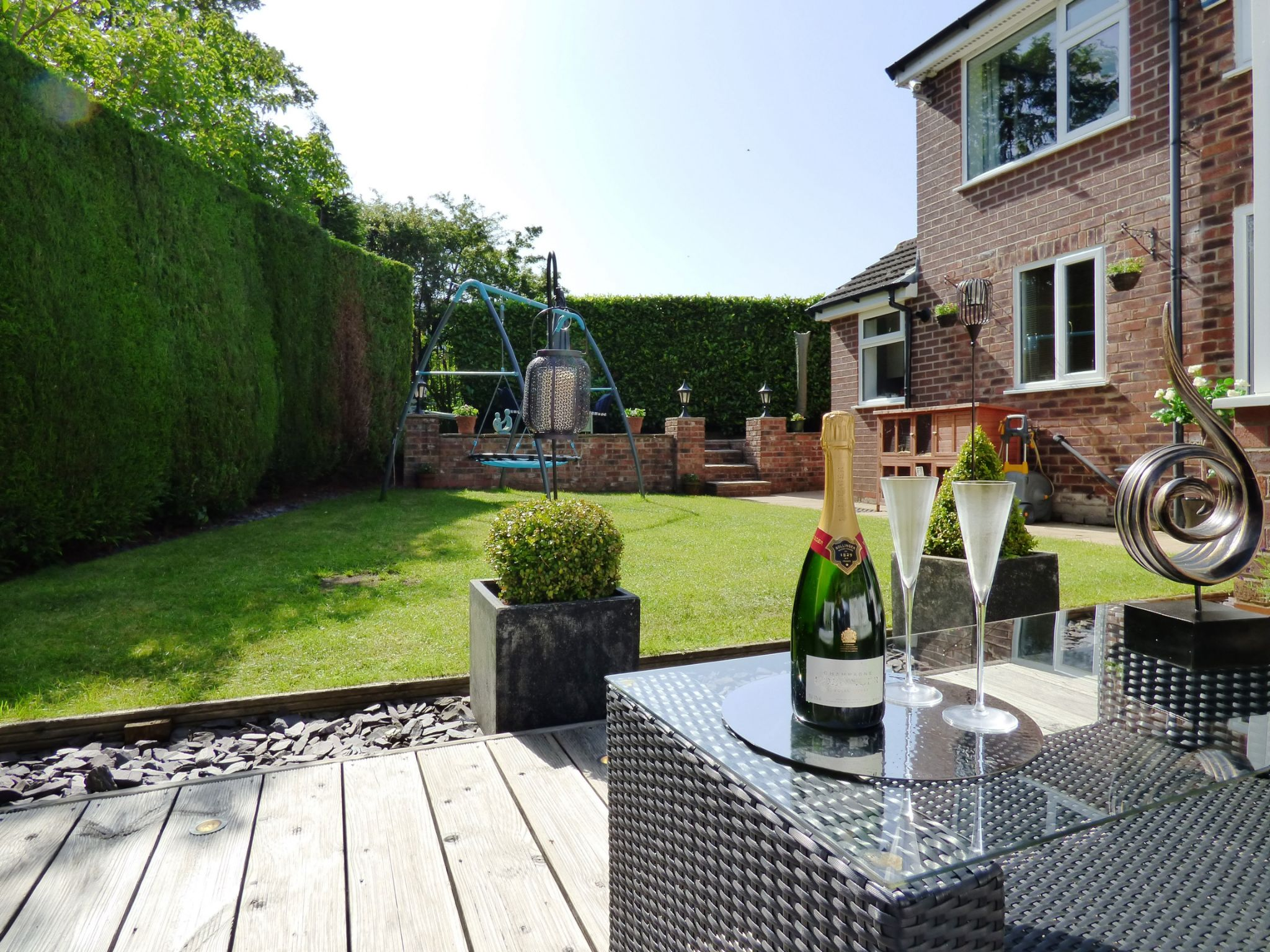 5 Bedroom Semi-detached House For Sale - Photograph 10
