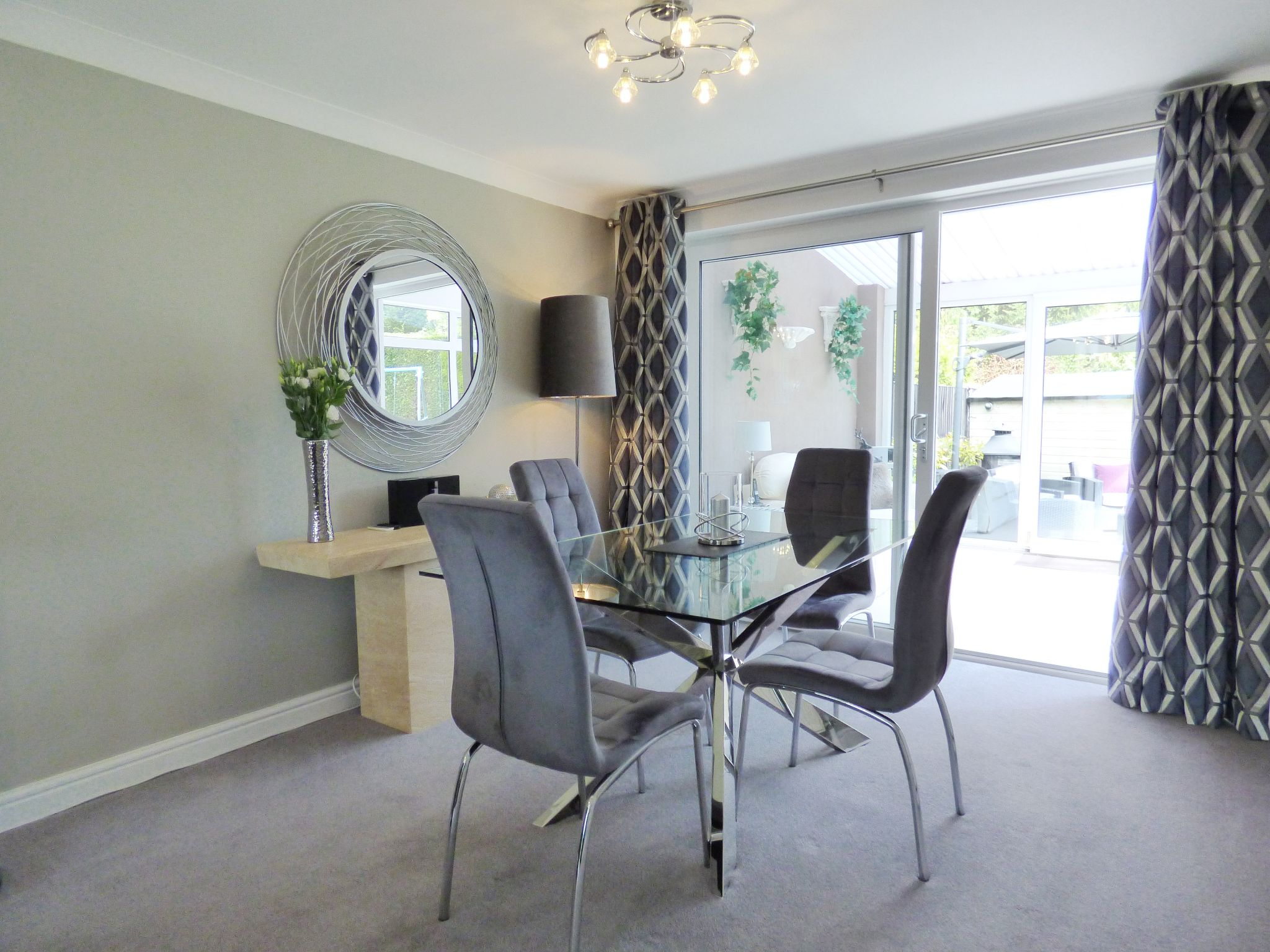 5 Bedroom Semi-detached House For Sale - Dining Area