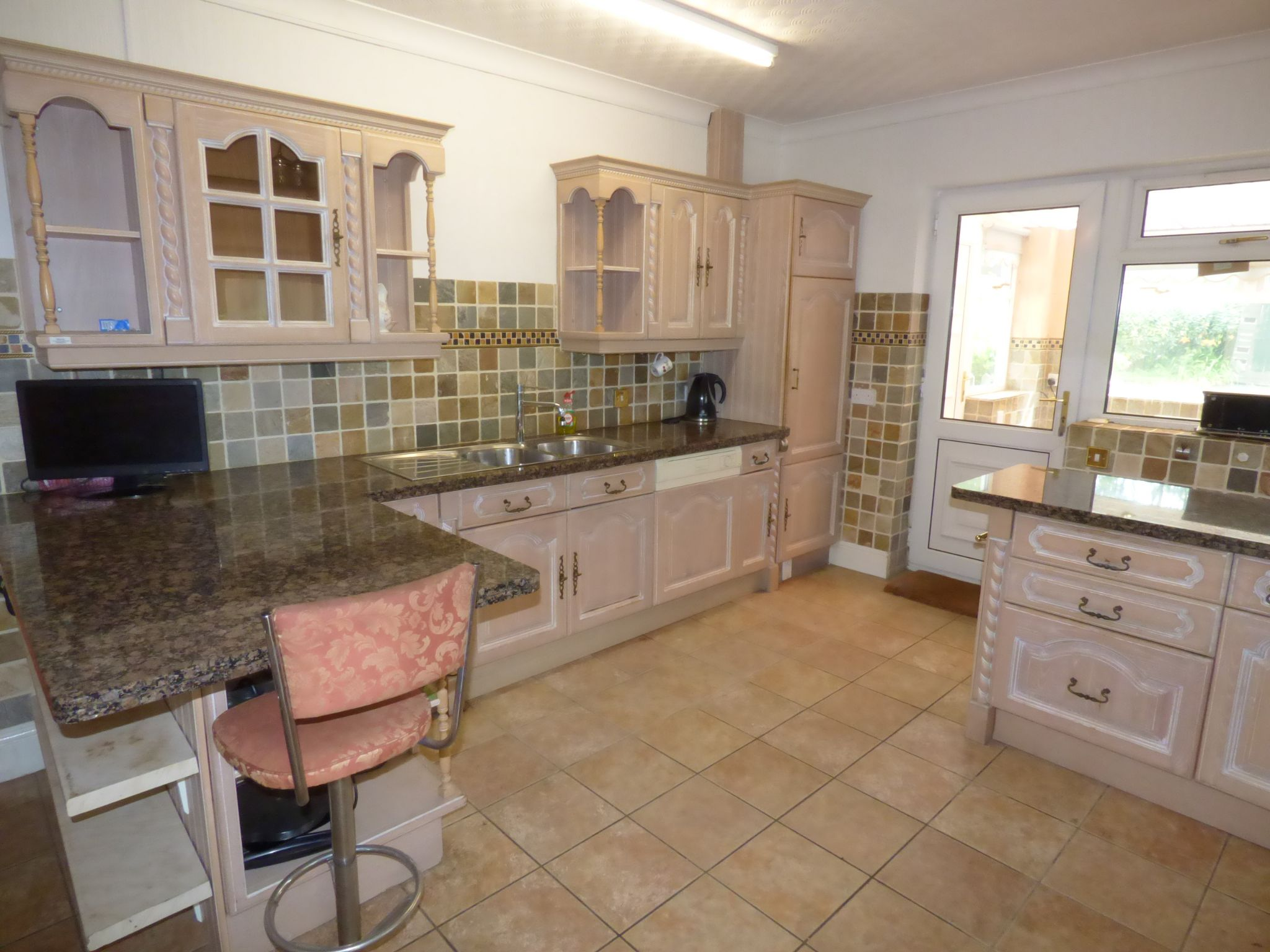 3 Bedroom Detached Bungalow For Sale - Photograph 13