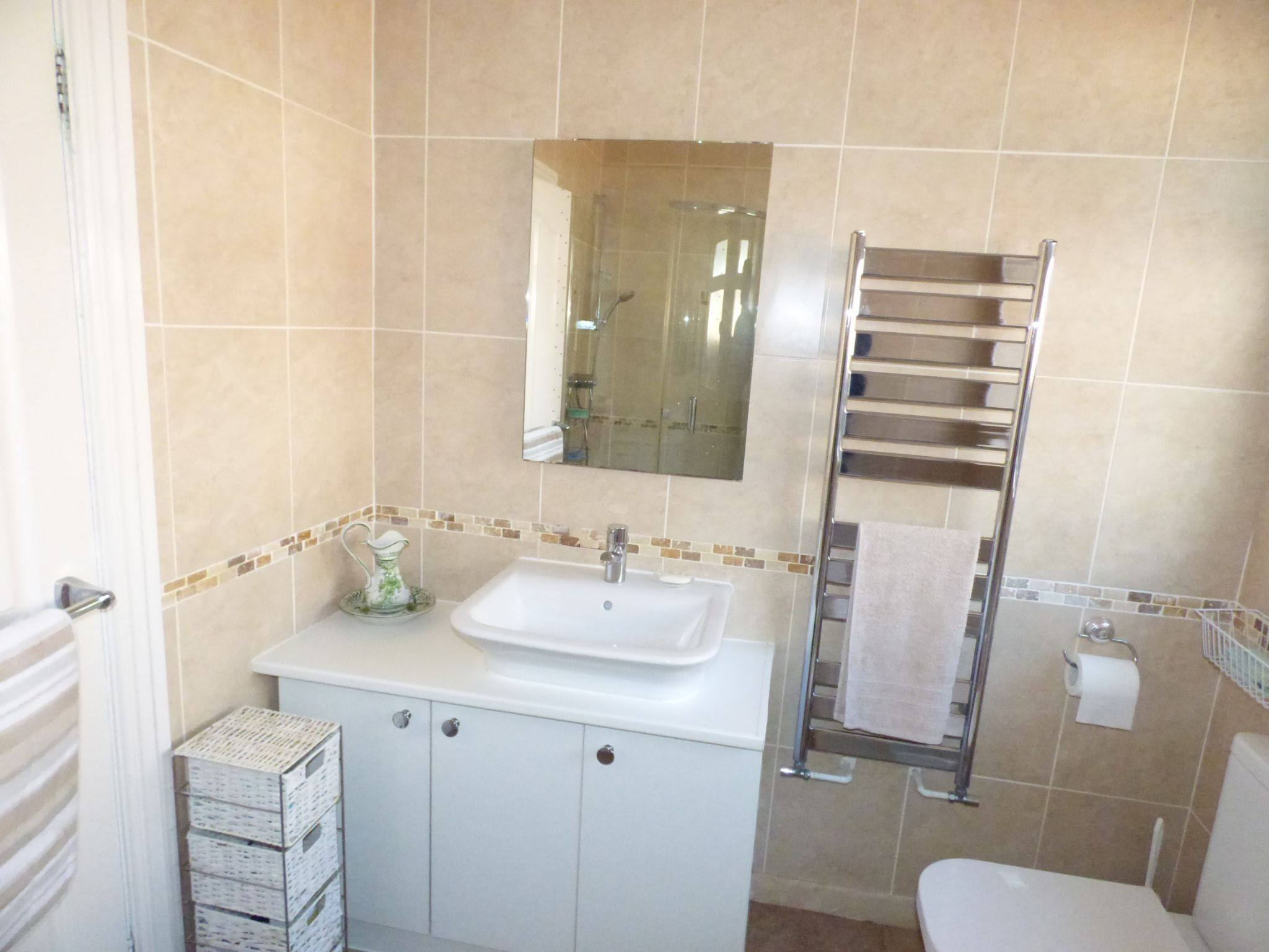 3 Bedroom Detached Bungalow For Sale - Photograph 17