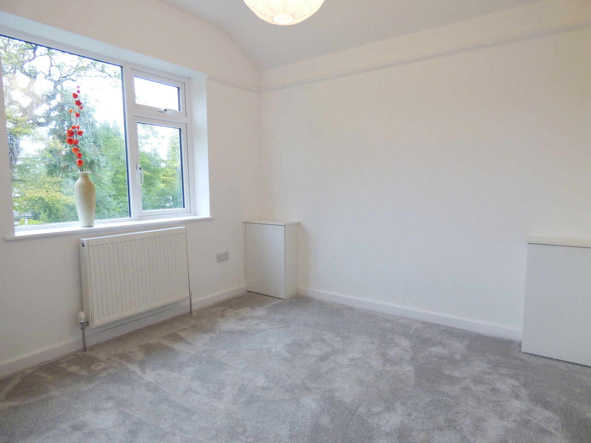3 Bedroom Detached Bungalow For Sale - Photograph 18