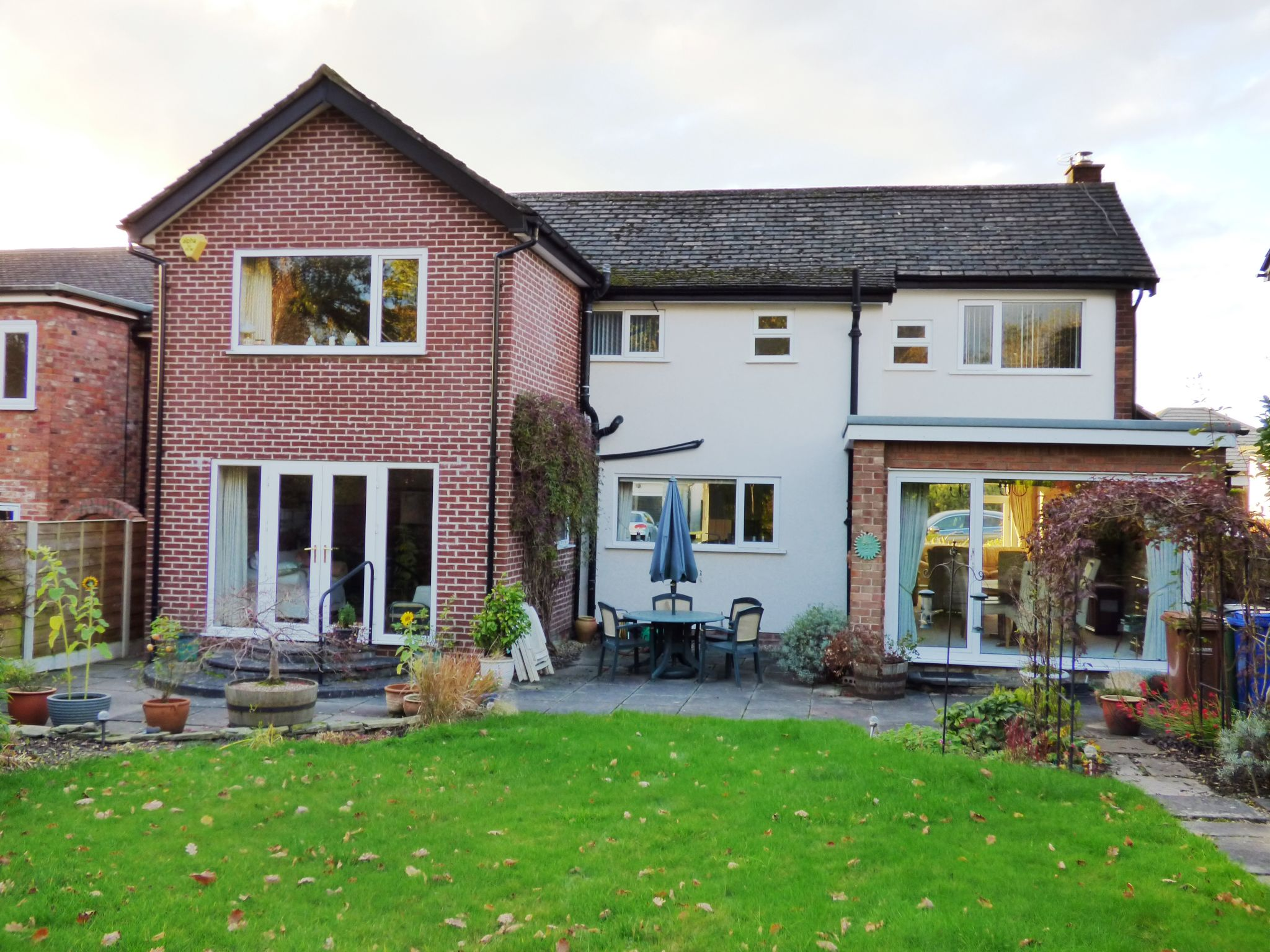 4 Bedroom Detached House For Sale - Photograph 18